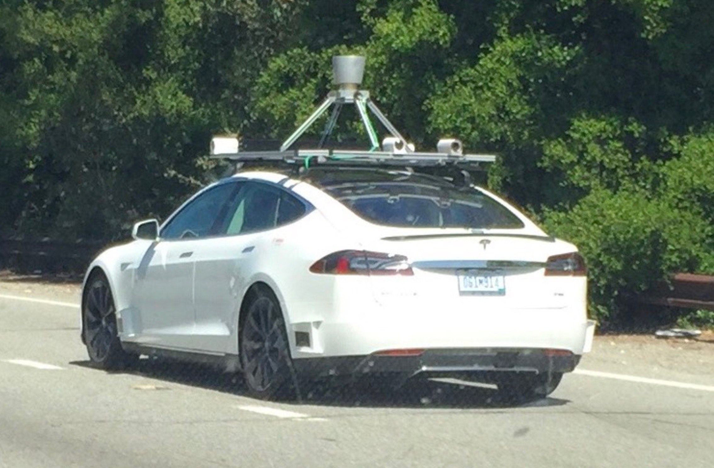 Tesla semi 39 s vast array of autopilot cameras and sensors for Tesla motors palo alto