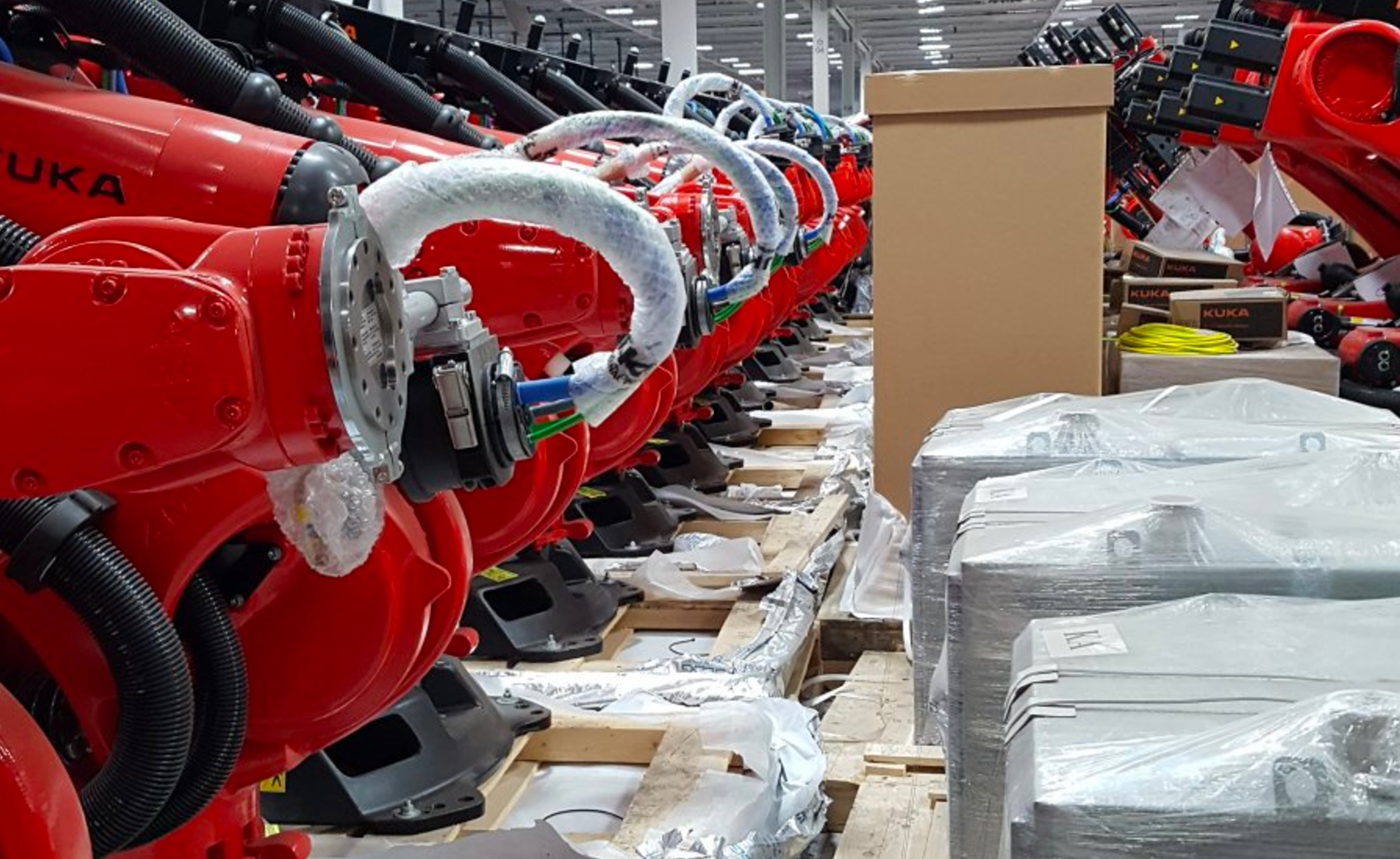 Leaked Tesla Factory Photos Reveal Alien Robot Army For