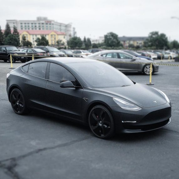 more tesla model 3 colors being spotted ahead of official. Black Bedroom Furniture Sets. Home Design Ideas