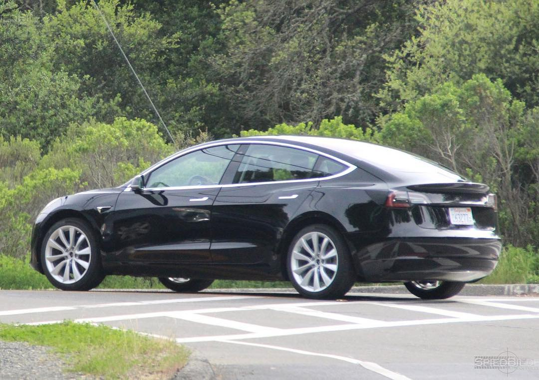 More Tesla Model 3 colors being spotted ahead of official ...