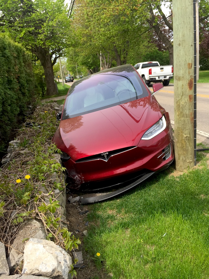 ModelX-Accident2