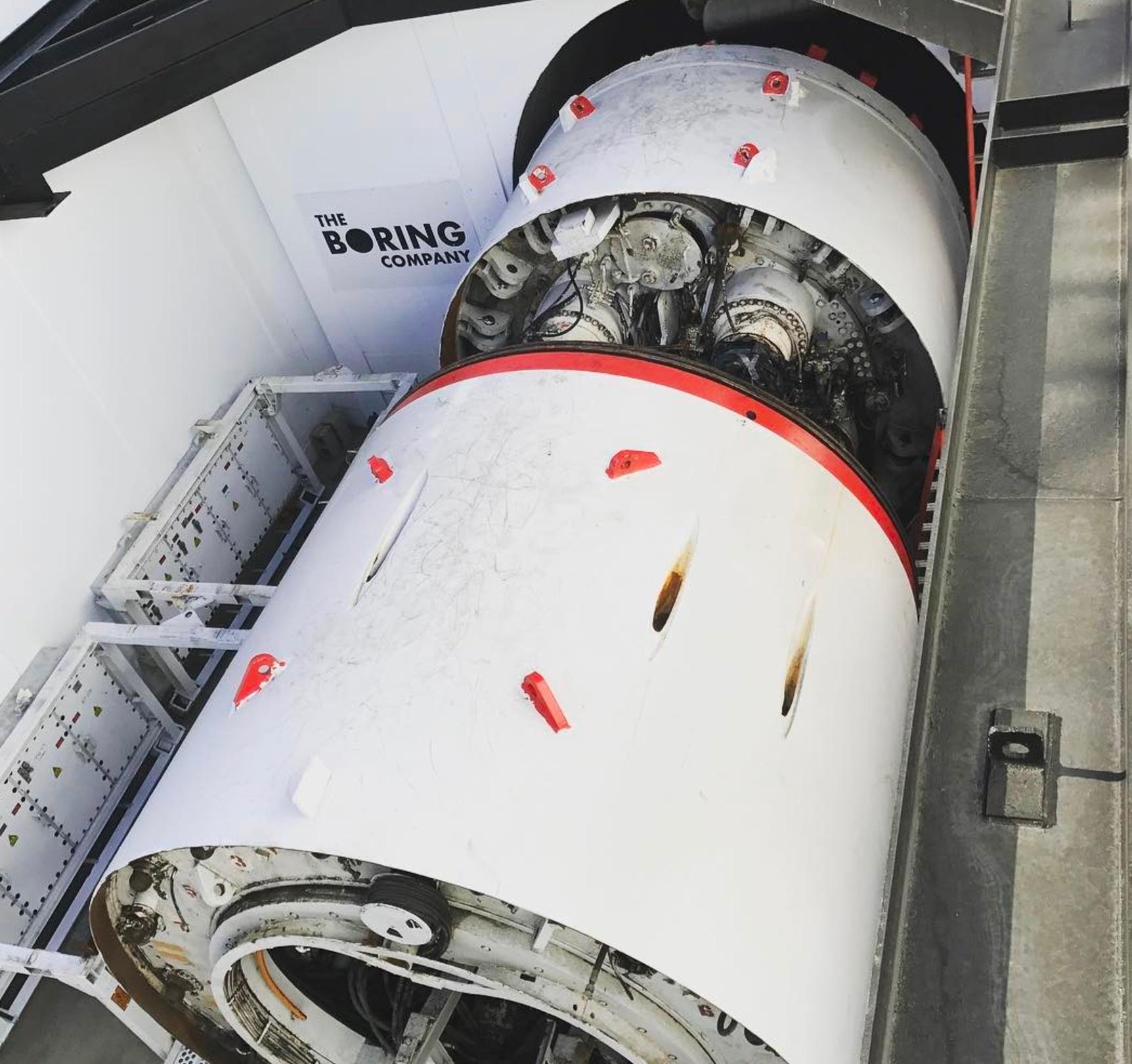 elon-musk-boring-company-tunnel-machine-godot