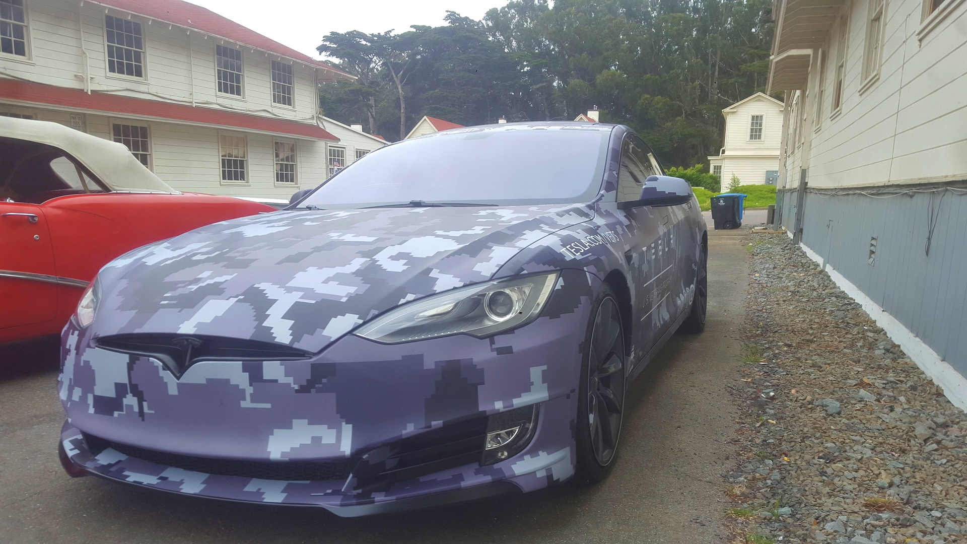 tesla-camouflage-wrapped-model-s-memorial-day-3