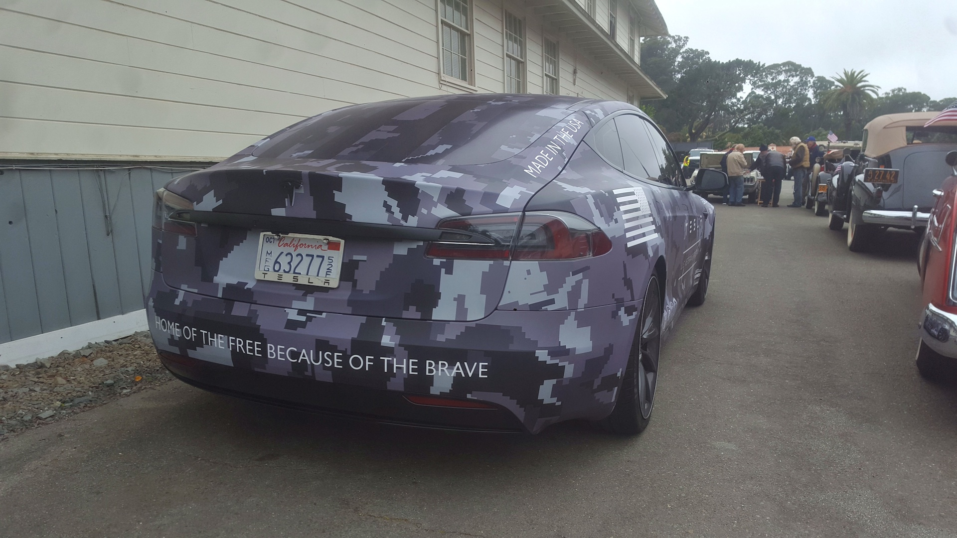 tesla-camouflage-wrapped-model-s-memorial-day-4