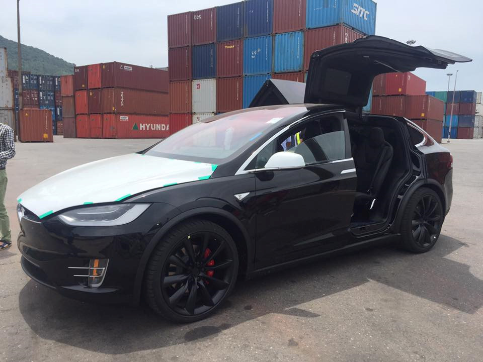 Vietnam Gets Its First Tesla Model X P100d Thanks To A