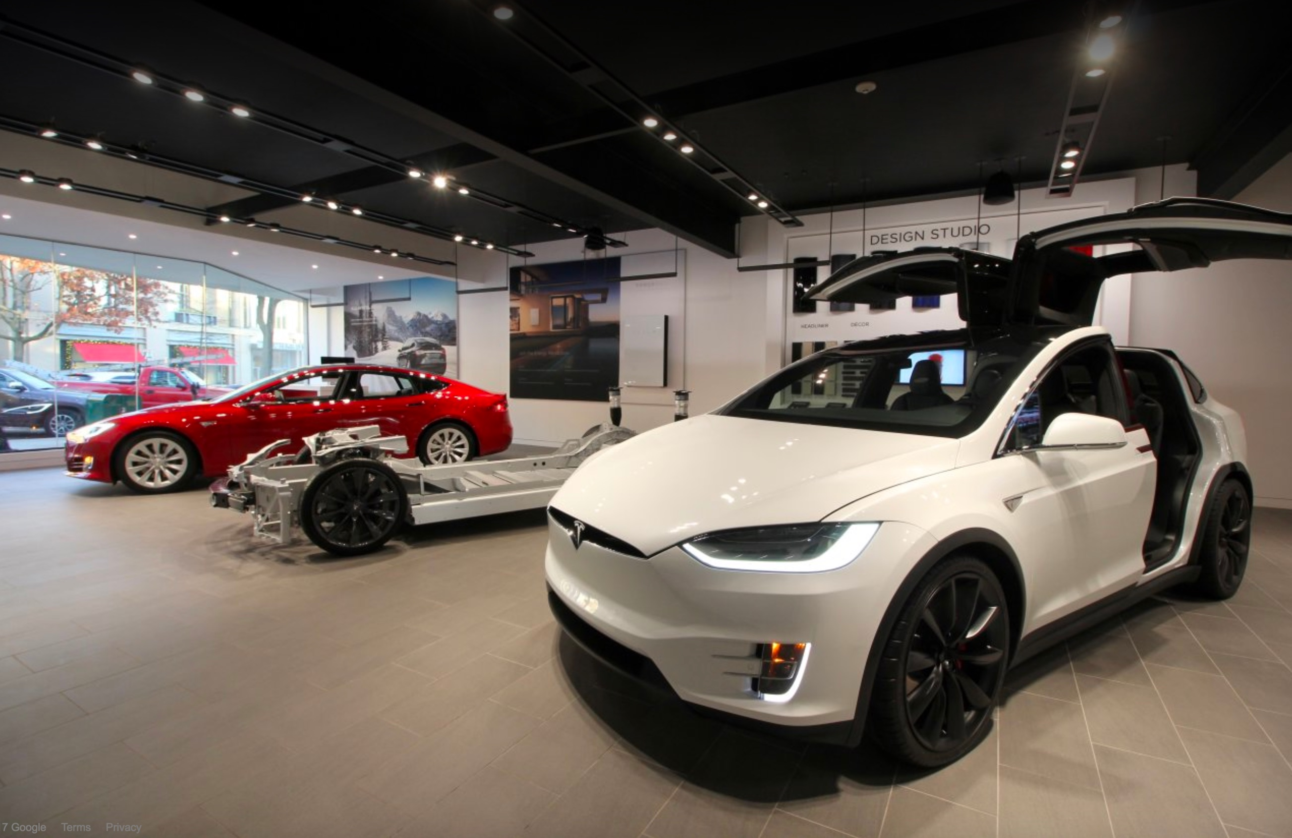 tesla lowers price of model s x 100d by 3 500 and p100d by 5 000. Black Bedroom Furniture Sets. Home Design Ideas