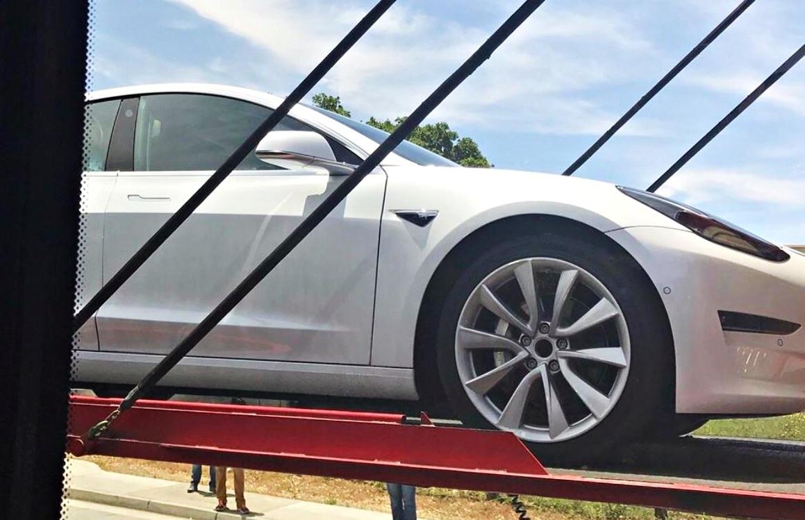 Tesla Model 3 Roof Rack System Spotted New Car Delivered To Tesla Hq