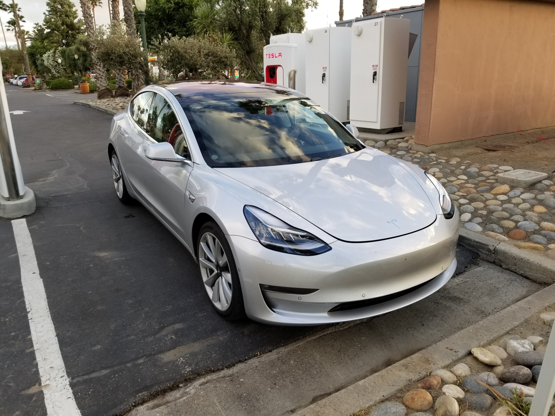 Tesla Model S Burns Fire Supercharger Norway together with Presskit furthermore Like Drive Transmission Less Tesla further Tesla Model 3 Supercharging Harris Ranch Sf La additionally Tesla Model S Weight. on tesla model 3 supercharger
