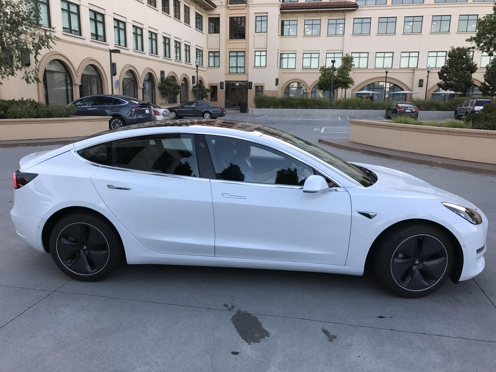 Tesla Model 3 Sideview Teslarati Com