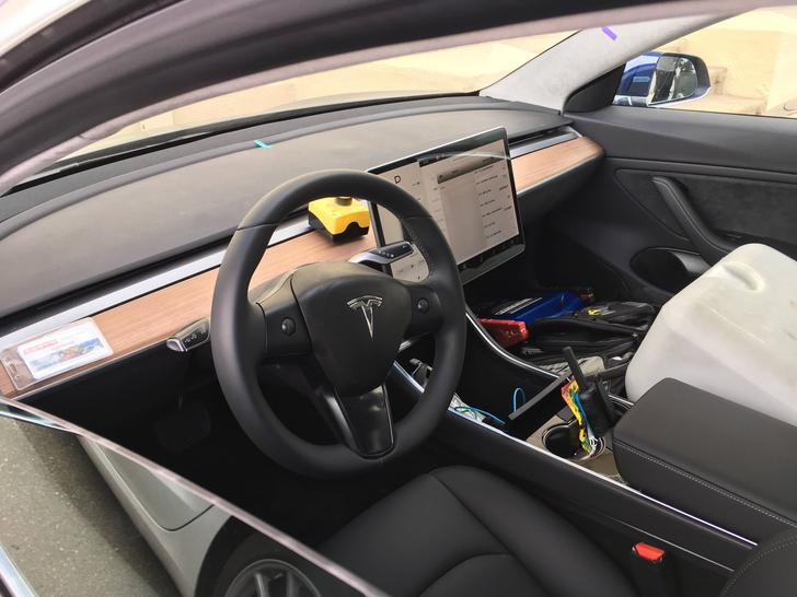 Tesla Model 3 interior photos: Autopilot stalk, steering wheel and touchscreen controls