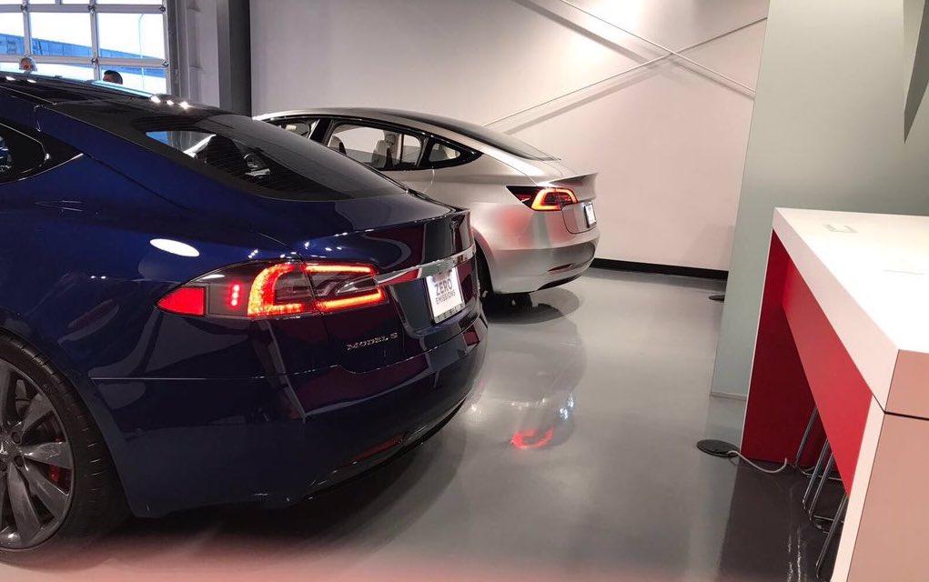 silver-tesla-model-s-alpha-rear-fremont