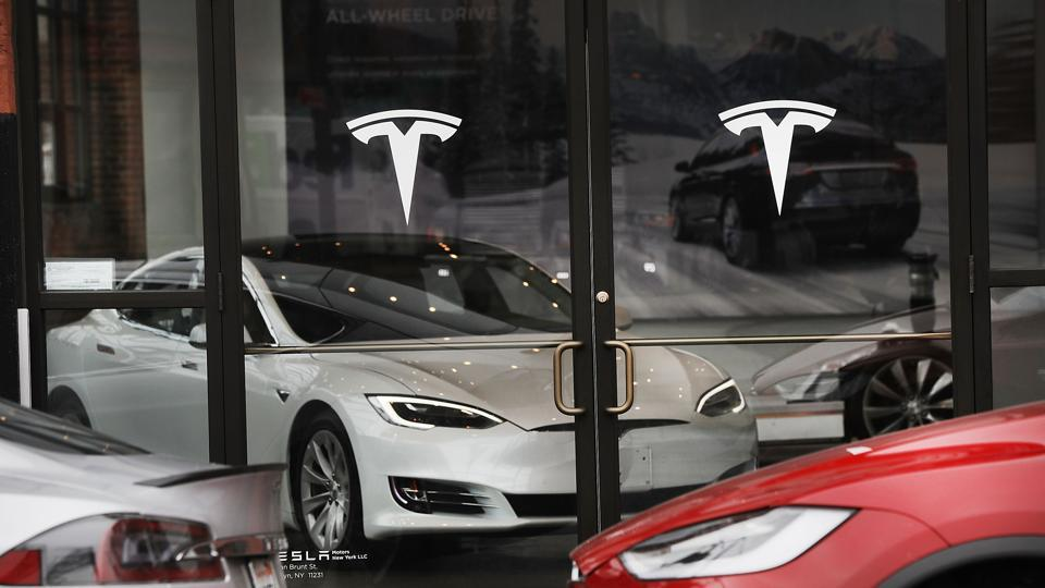 tesla-logo-white-models-s-gallery