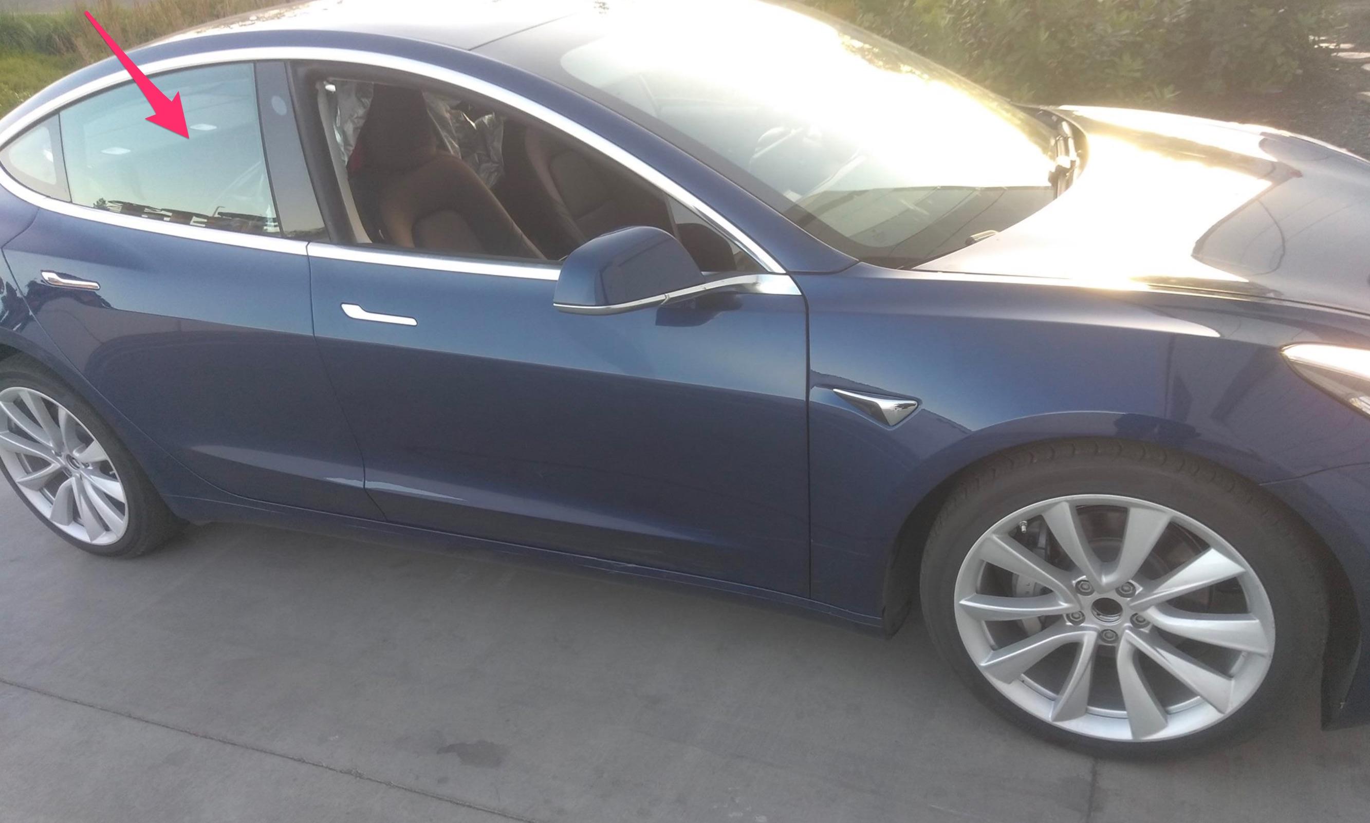 Tesla Powerwall 2 >> Tesla Model 3 with split folding rear seats spotted near ...