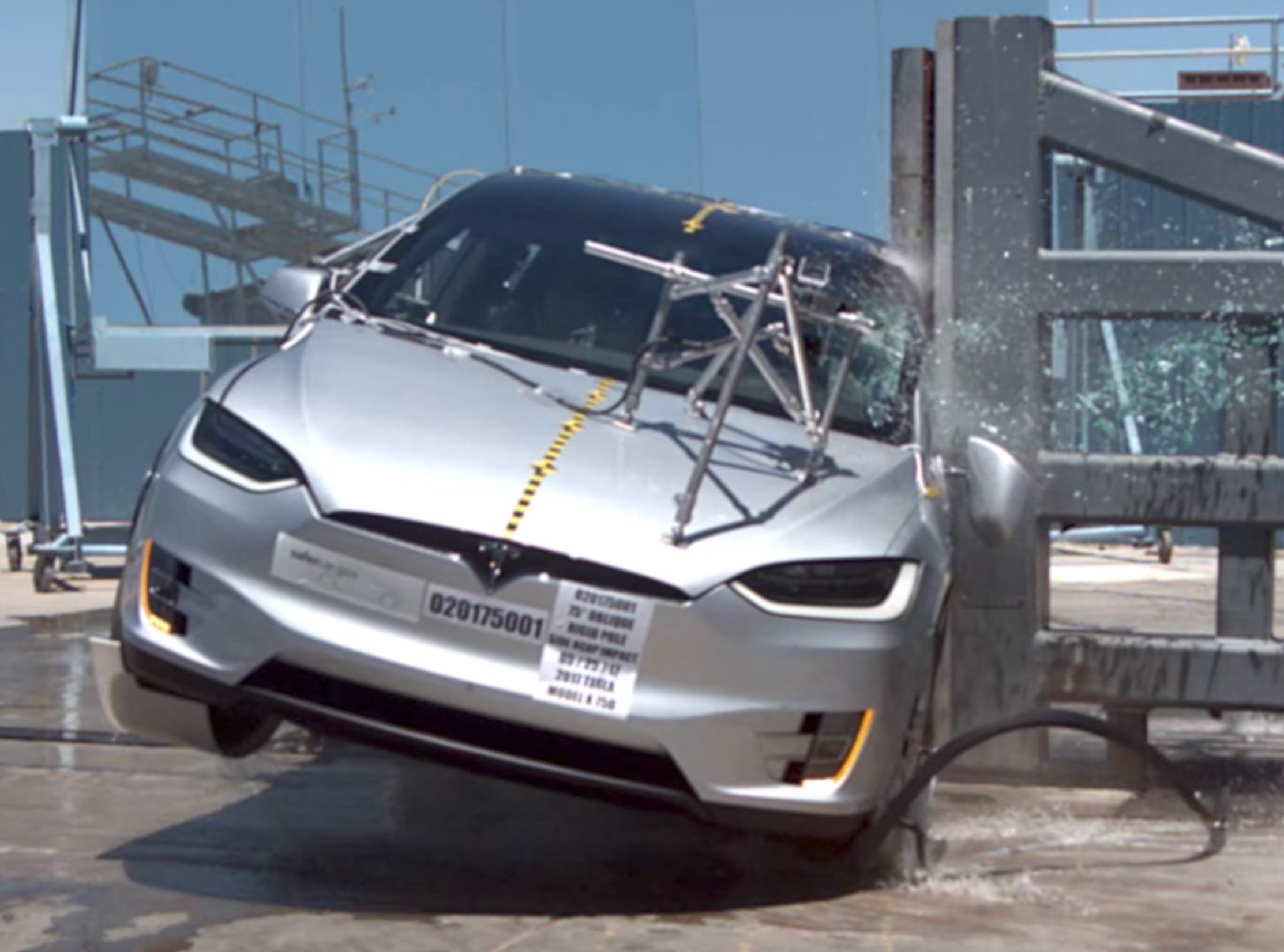 Nhtsa Tesla Model X Crash Test Videos Highlight Safety