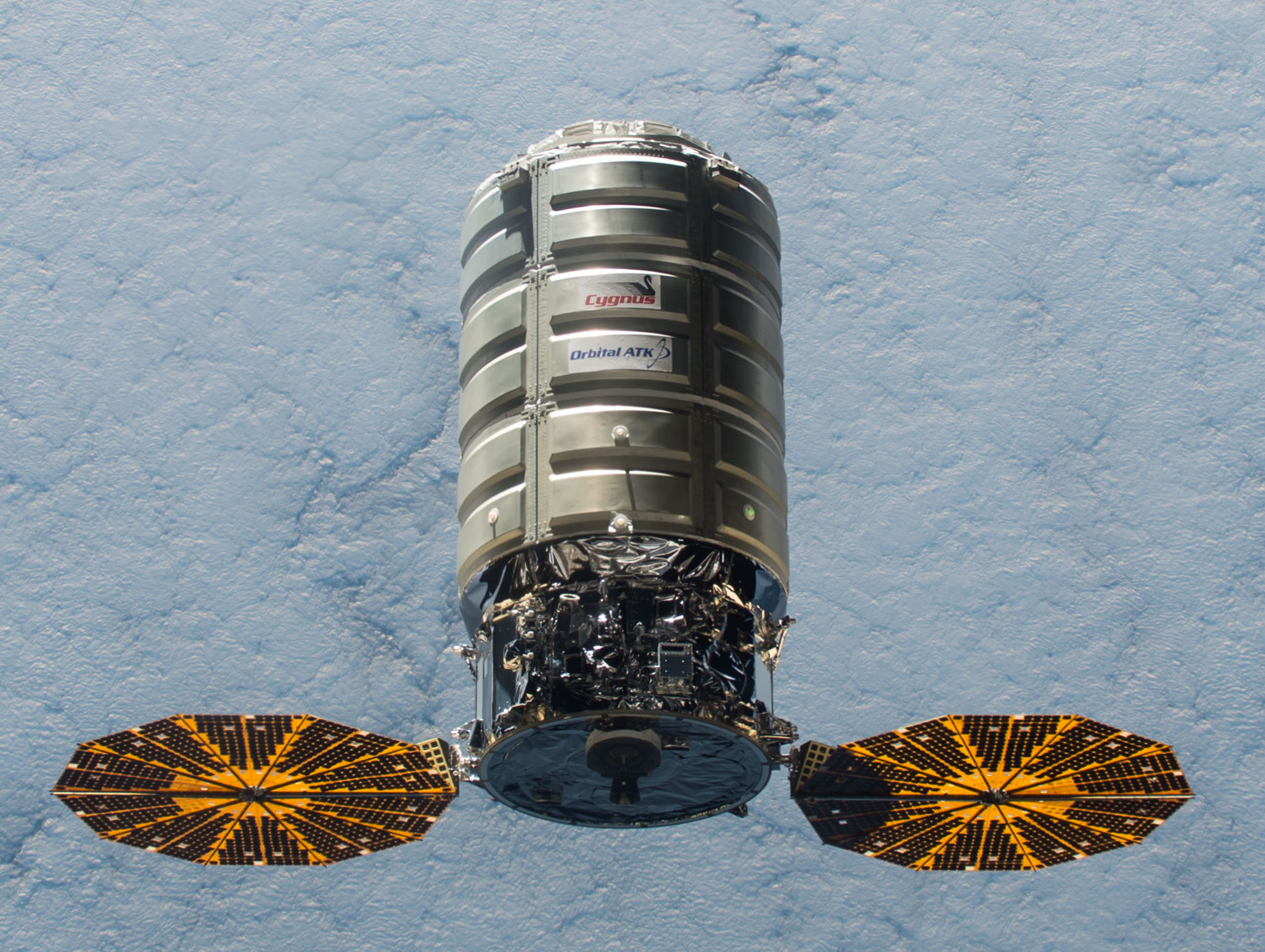 ISS-45_Cygnus_5_approaching_the_ISS_-_crop