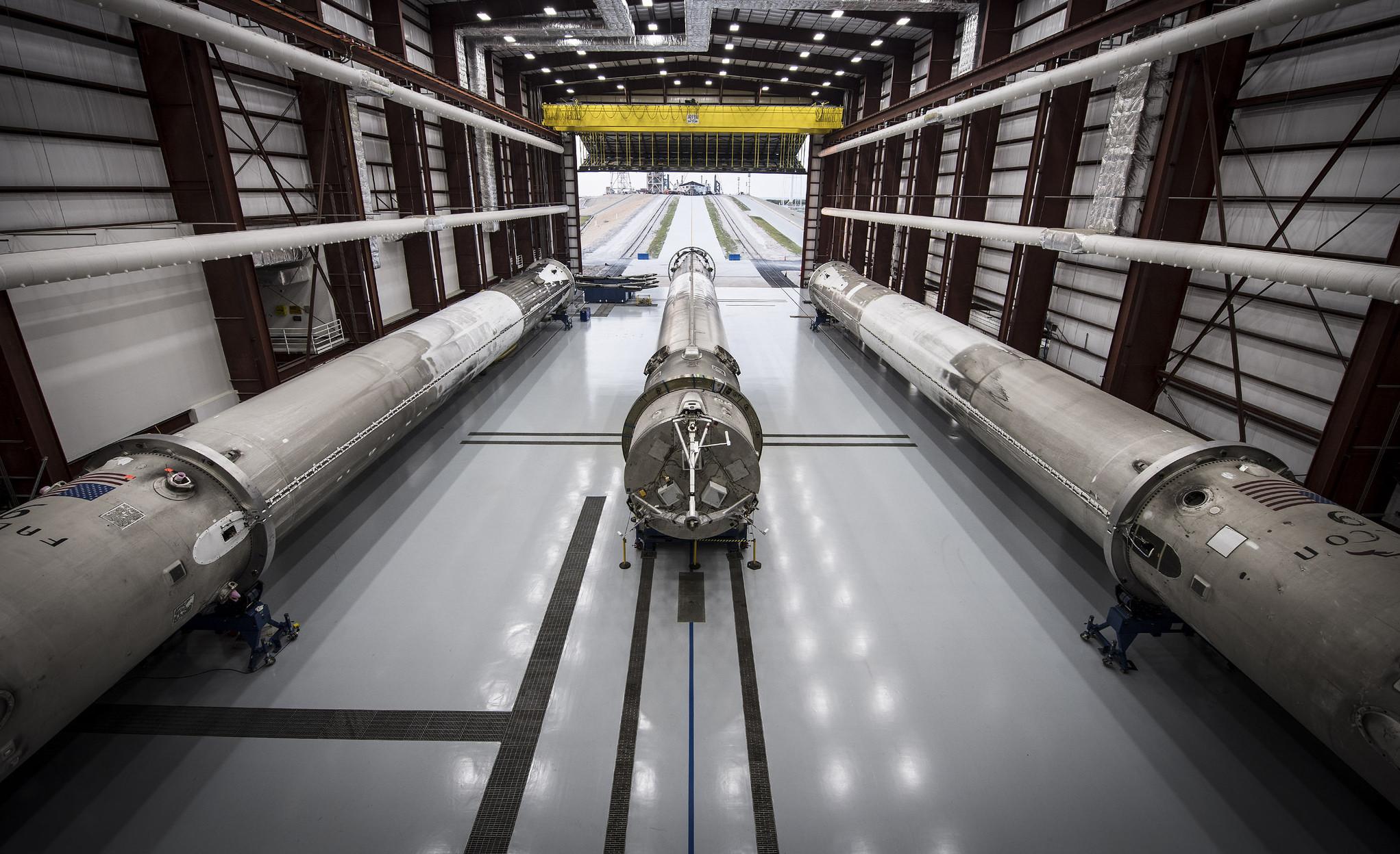 spacex-rocket-hangar-refurbishment