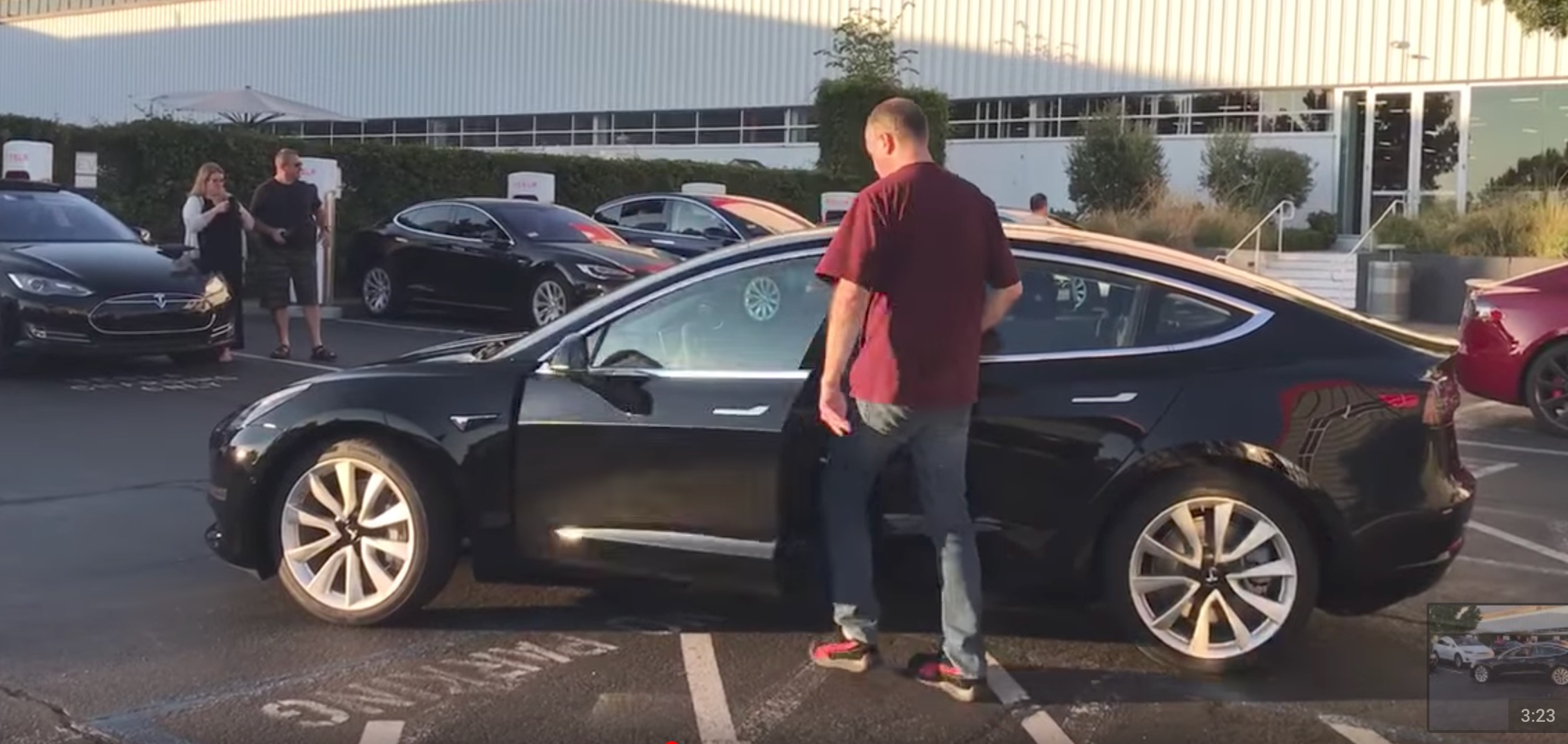 Video Of Tesla Model 3 Production Car Reveals Self Opening