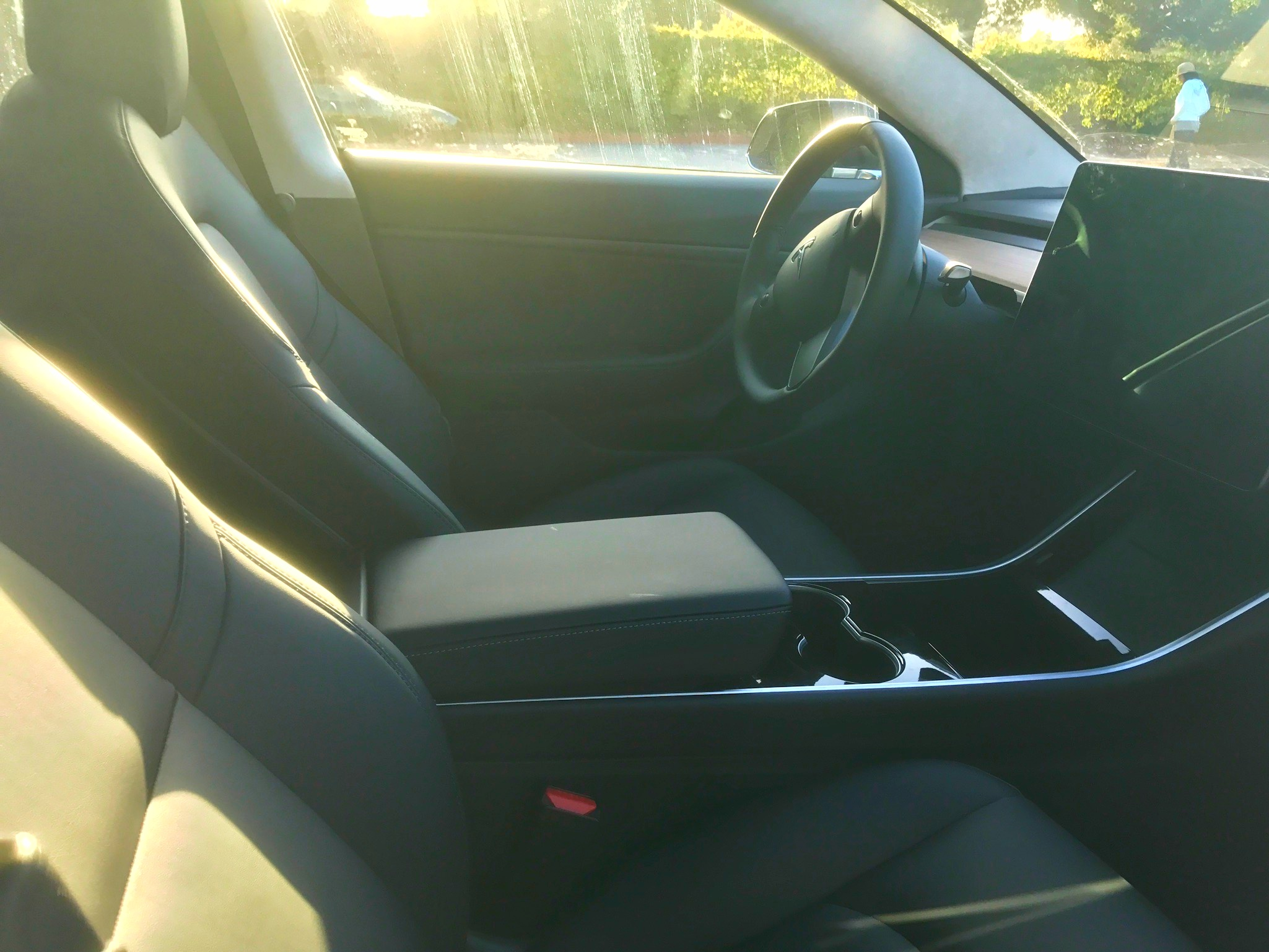 tesla-model-3-center-console-side