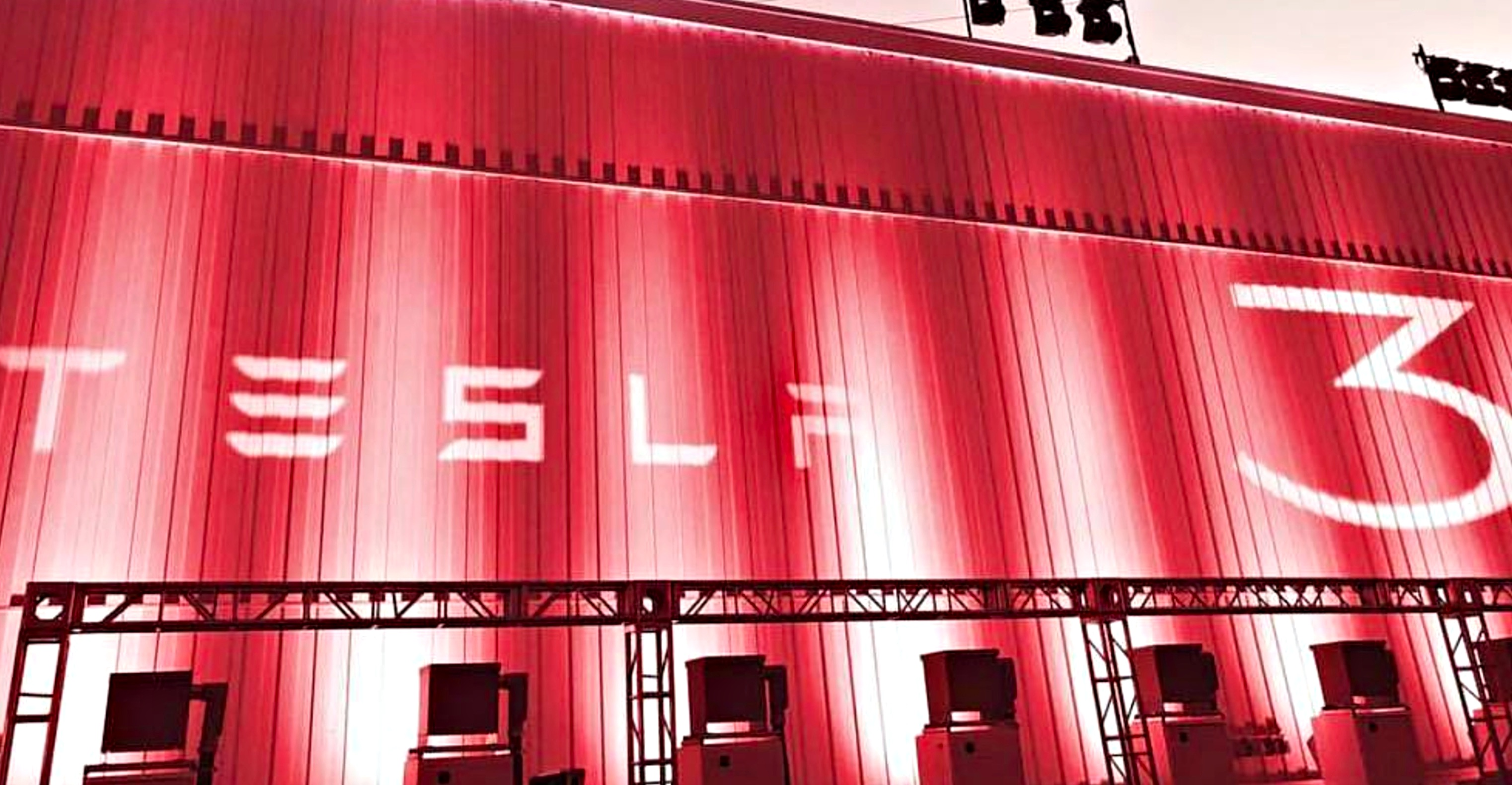 tesla-model-3-event-fremont-lighting