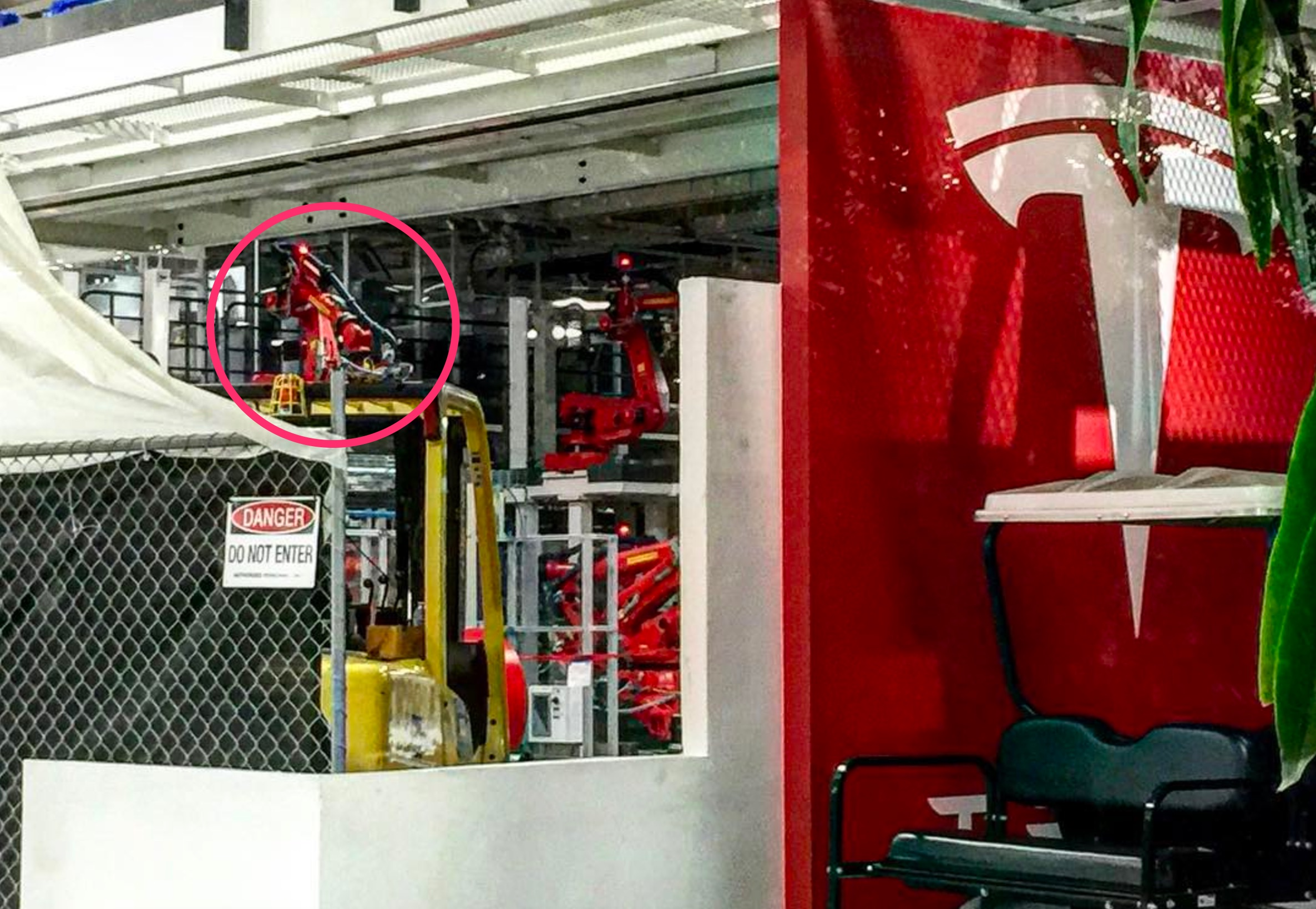 Tesla Model 3 Production Line Sighted As Quot Sn1 Quot Build Begins