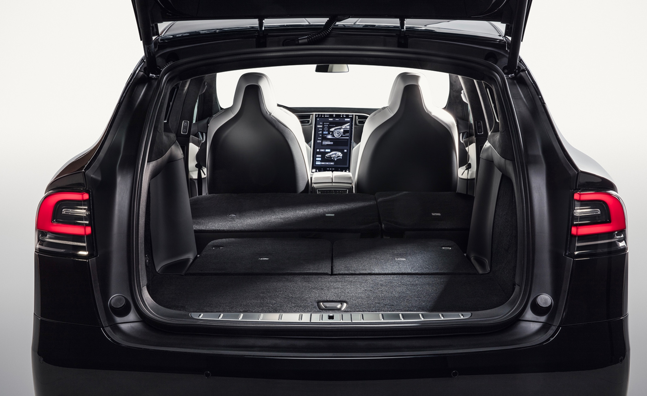 teszla-model-x-fold-flat-seats-7