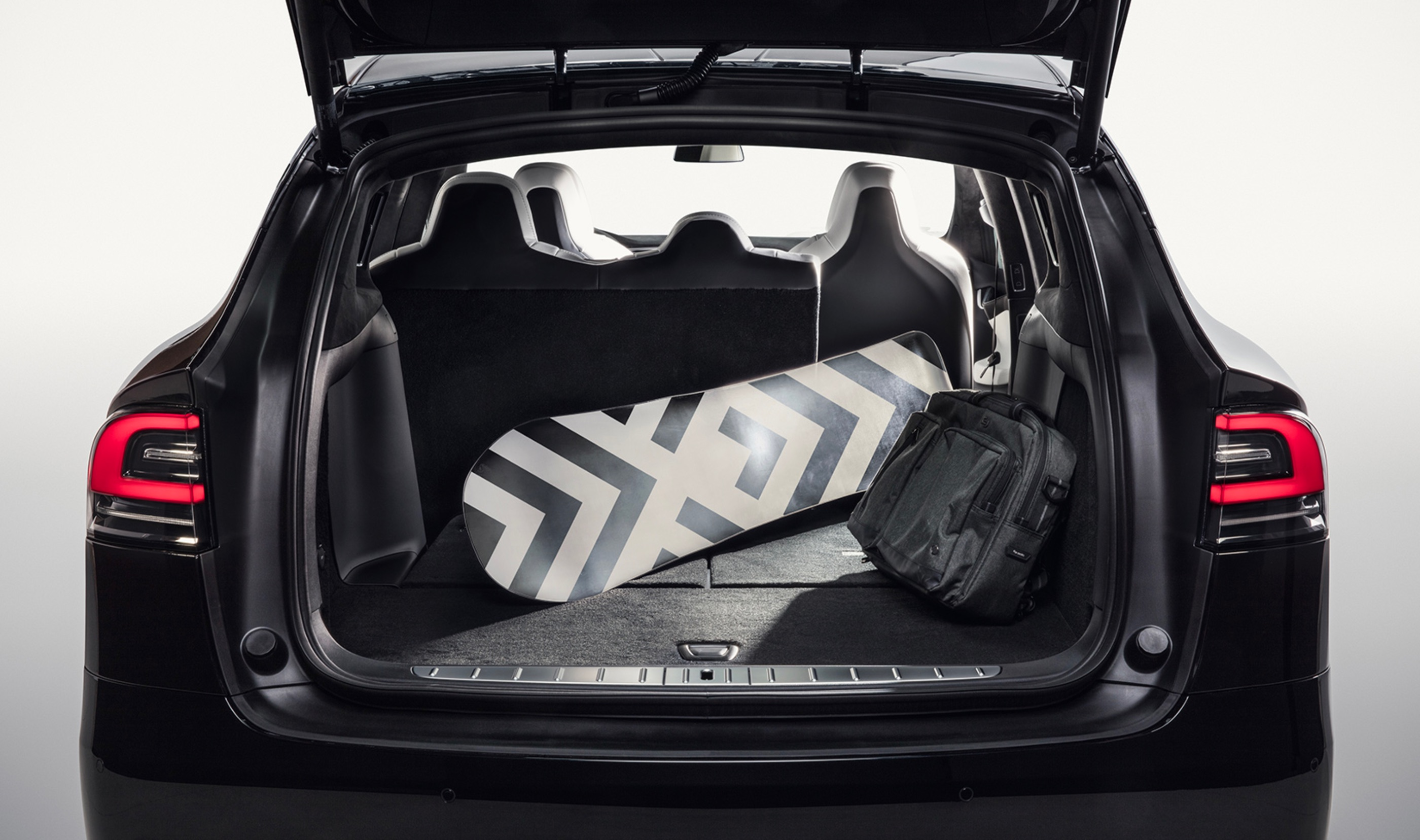 tesla model x in 7 seat configuration finally gets fold flat 2nd row seats automotive the. Black Bedroom Furniture Sets. Home Design Ideas