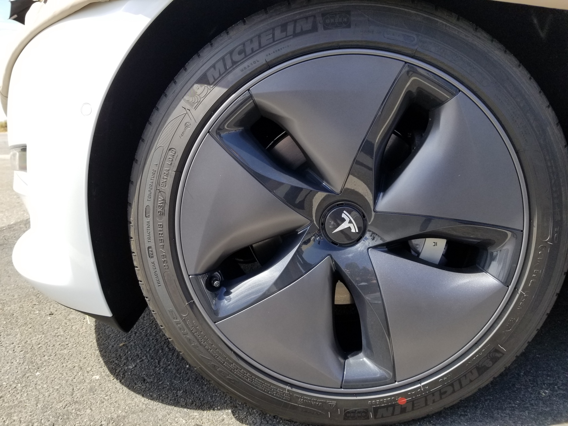 18 Quot Vs 19 Quot Tires For Ride Quality Cabin Noise On Model 3
