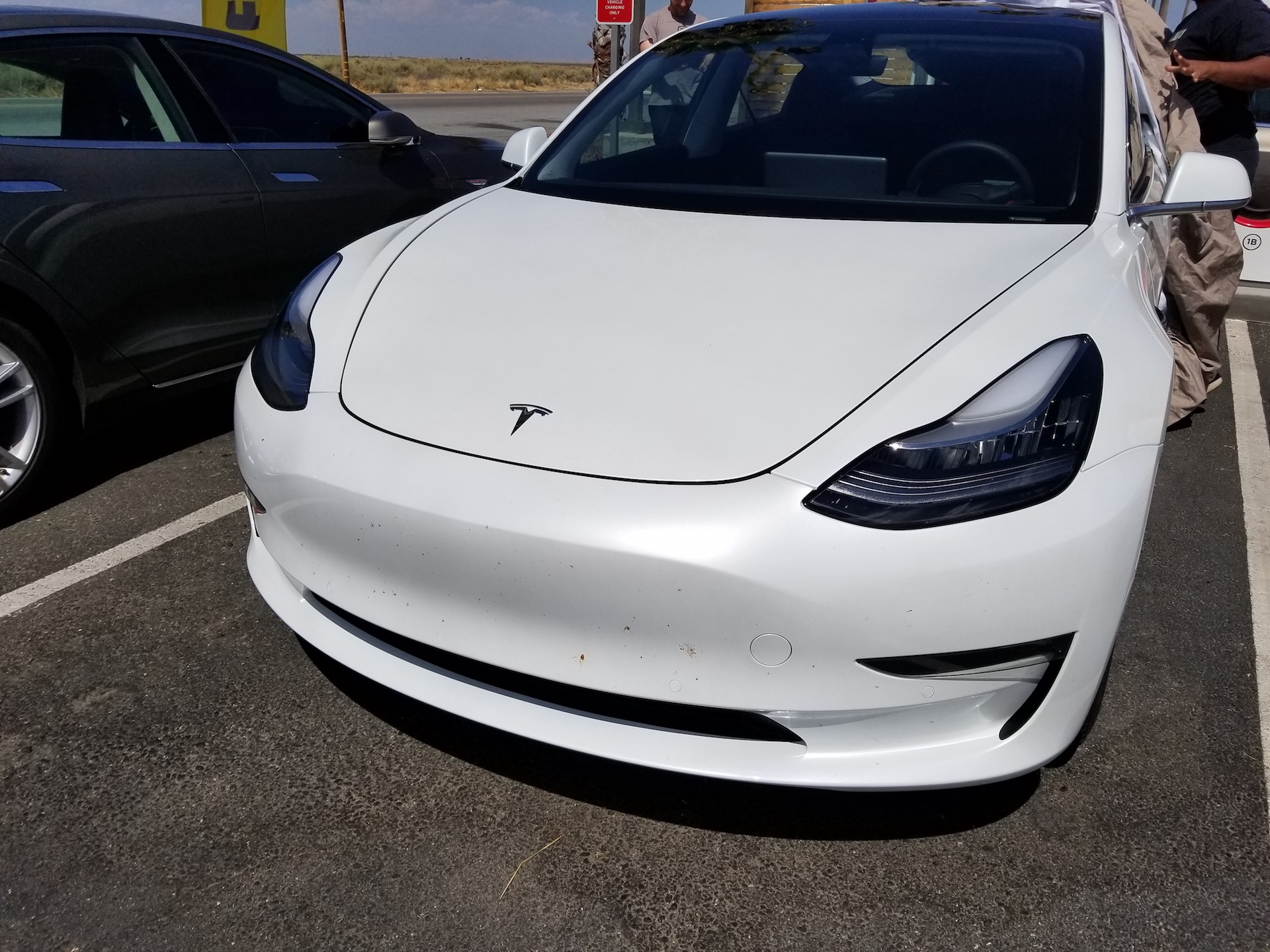 white-tesla-model-3-bakersfield-sighting