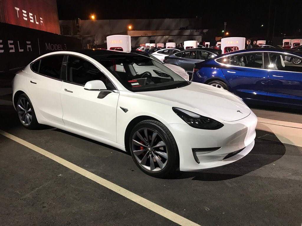 Tesla Model 3 will have Smart Air Suspension option, linked to dual
