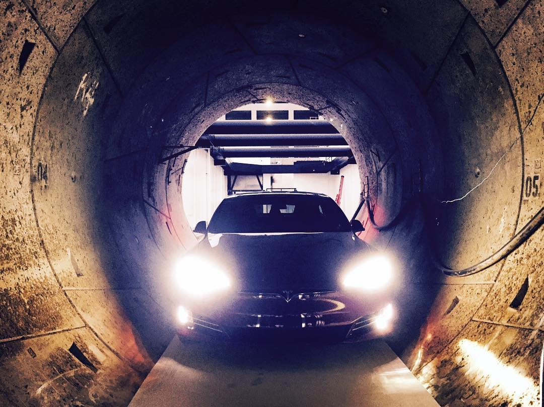 tesla-model-s-tunnel-electric-skate