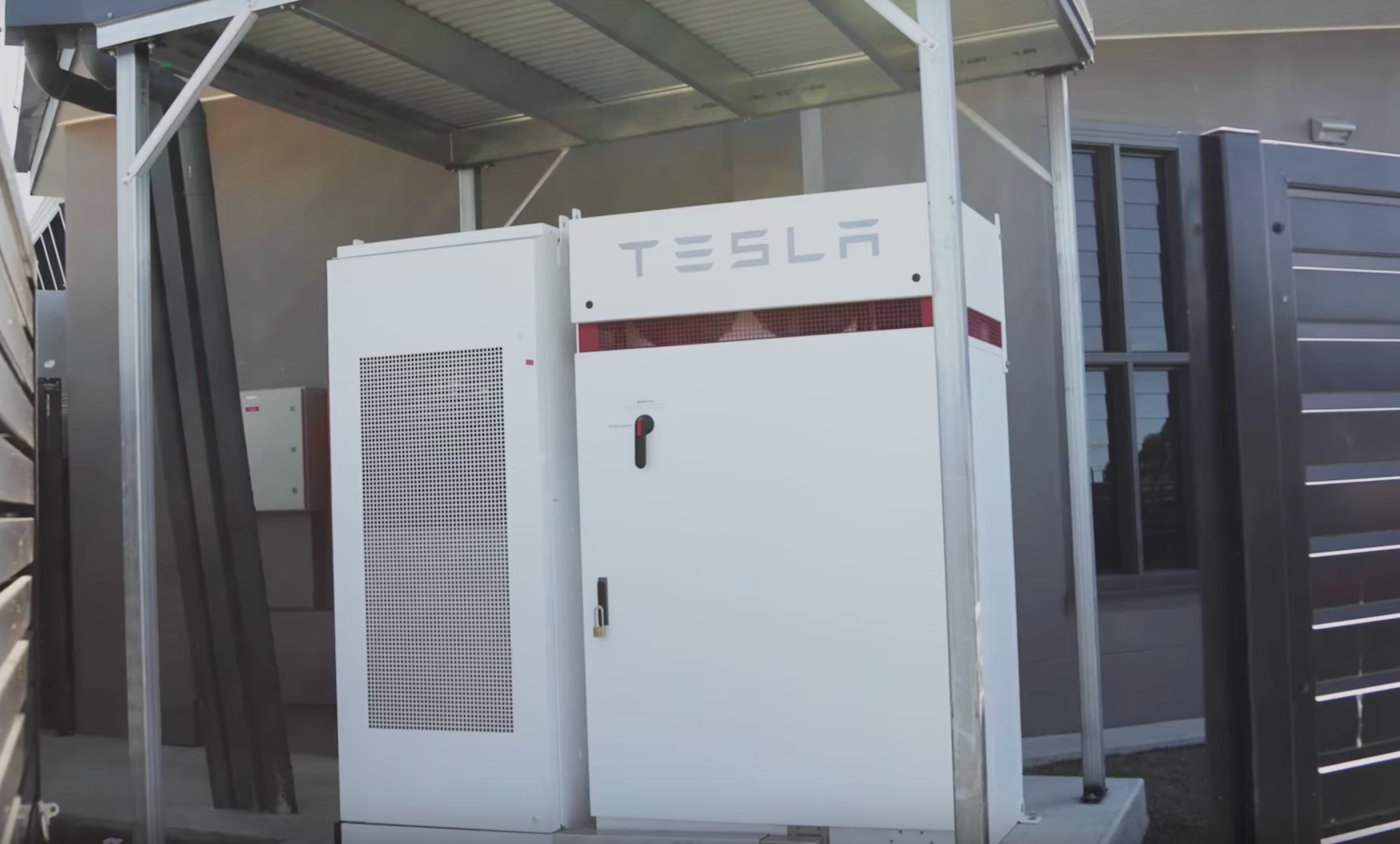 tesla-powerpack-queensland-australia-college