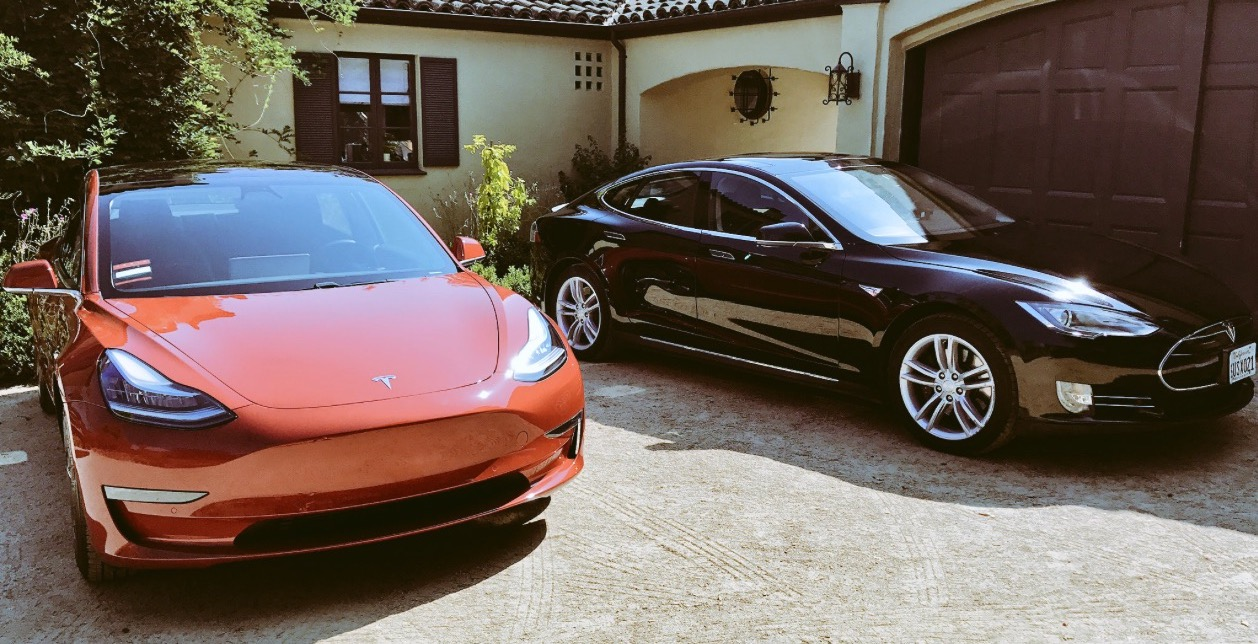 Tesla Battery Cost >> Silicon Valley angel calls Tesla Model 3 greatest tech product ever created
