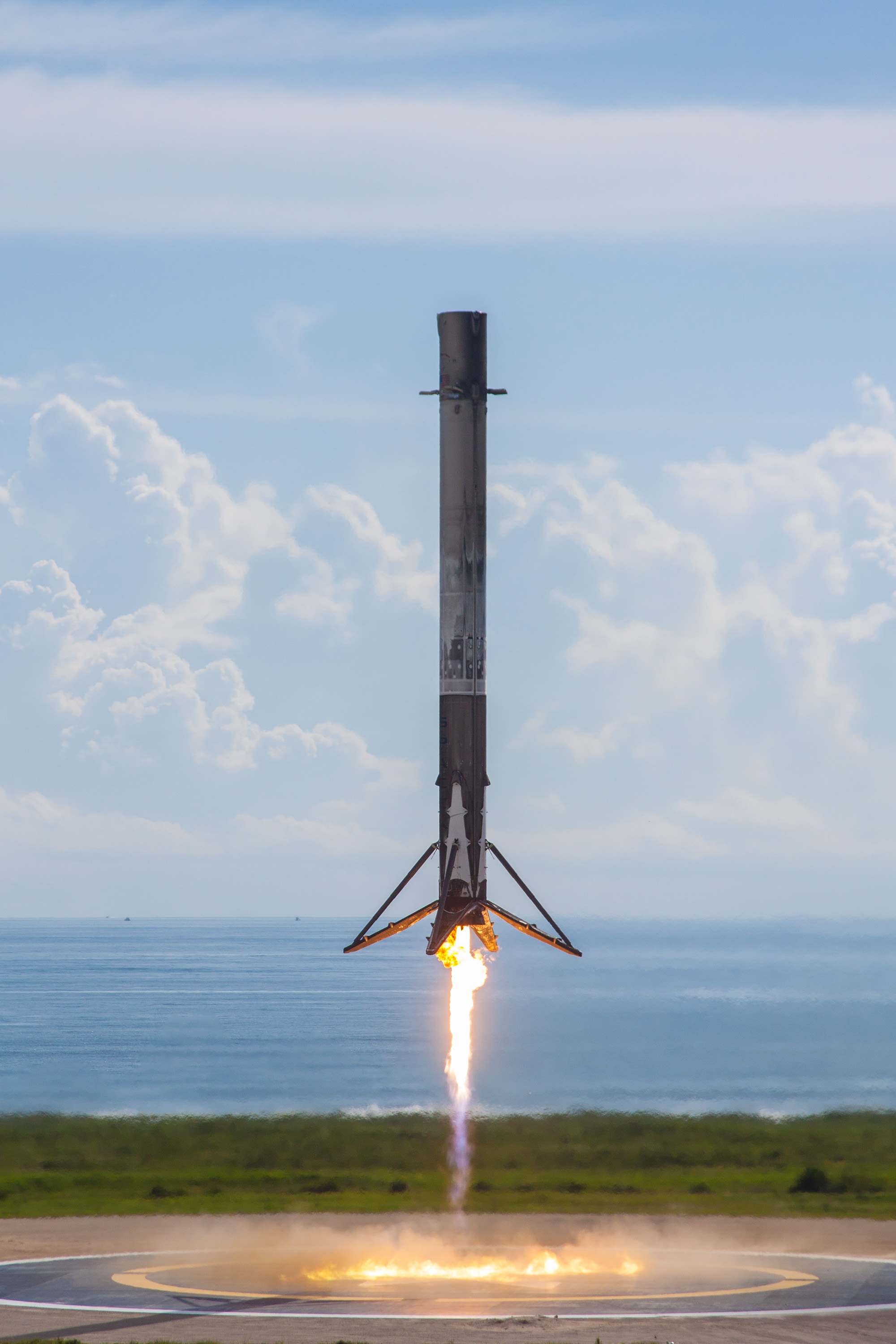 SpaceX OTV-5 – 1040 landing (SpaceX)