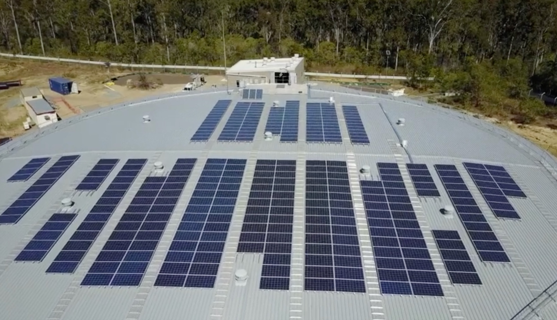 tesla-powerpack-queensland-australia-solar-panels-water-treatment