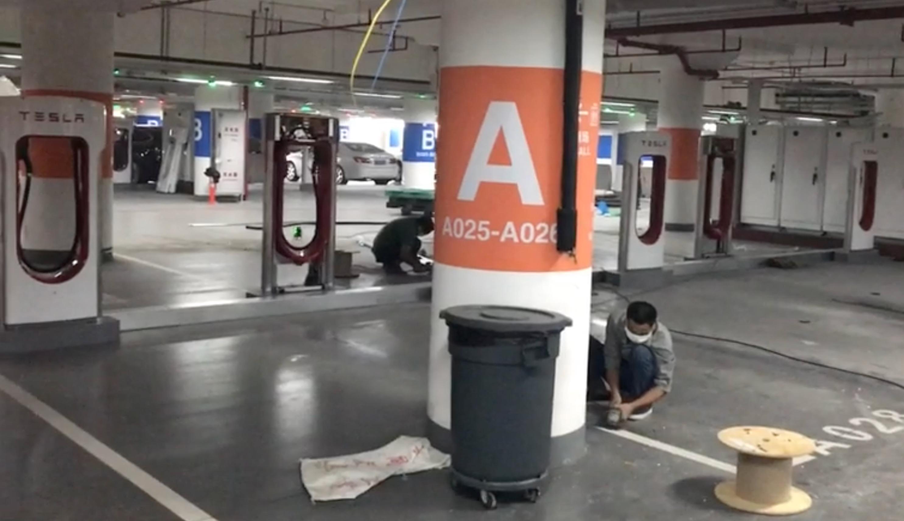 tesla-supercharger-shanghai-worlds-largest