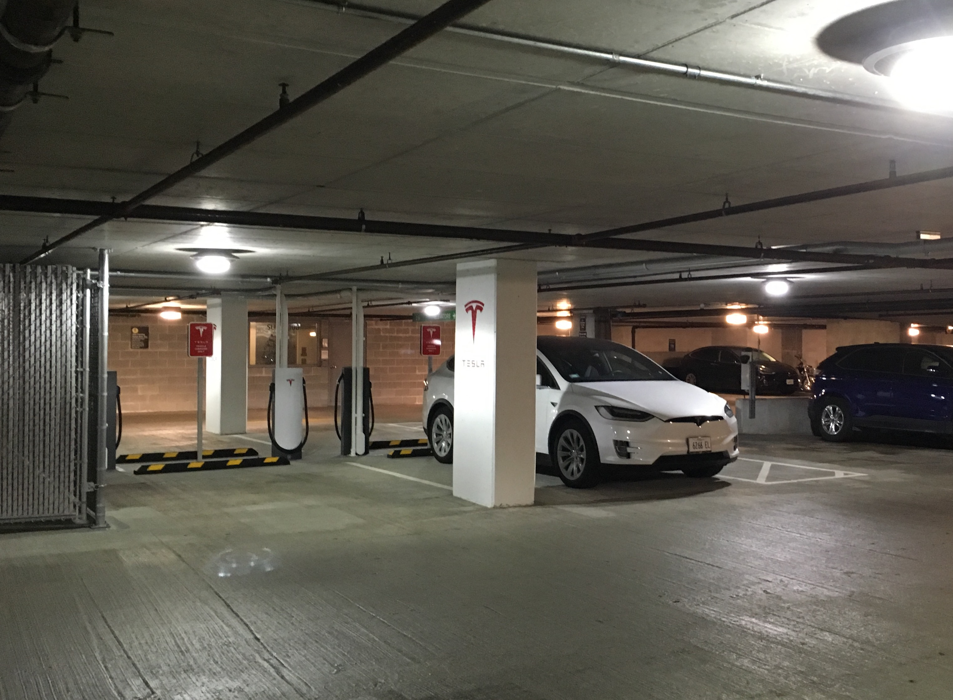 tesla-urban-supercharger-model-x