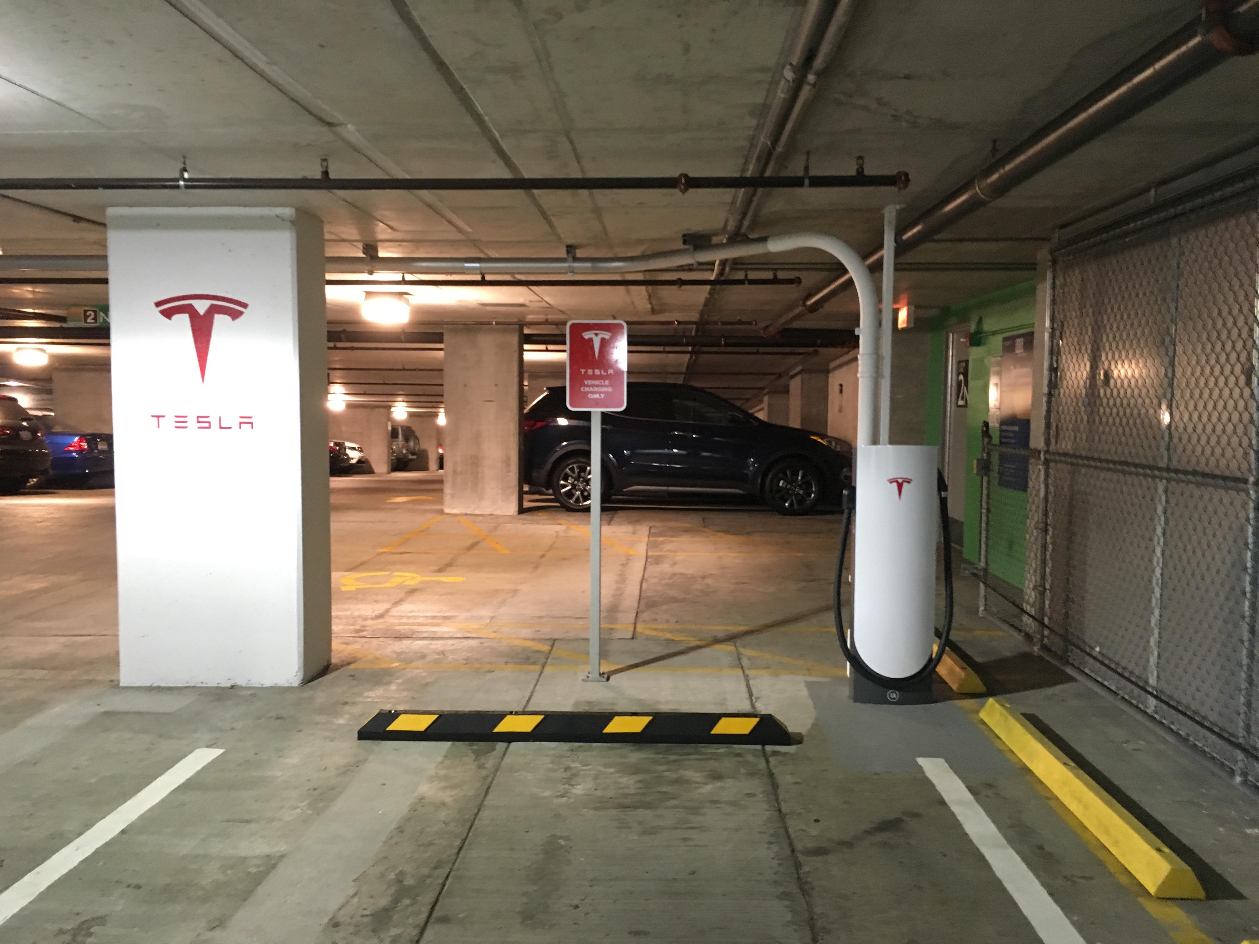 tesla-urban-supercharger