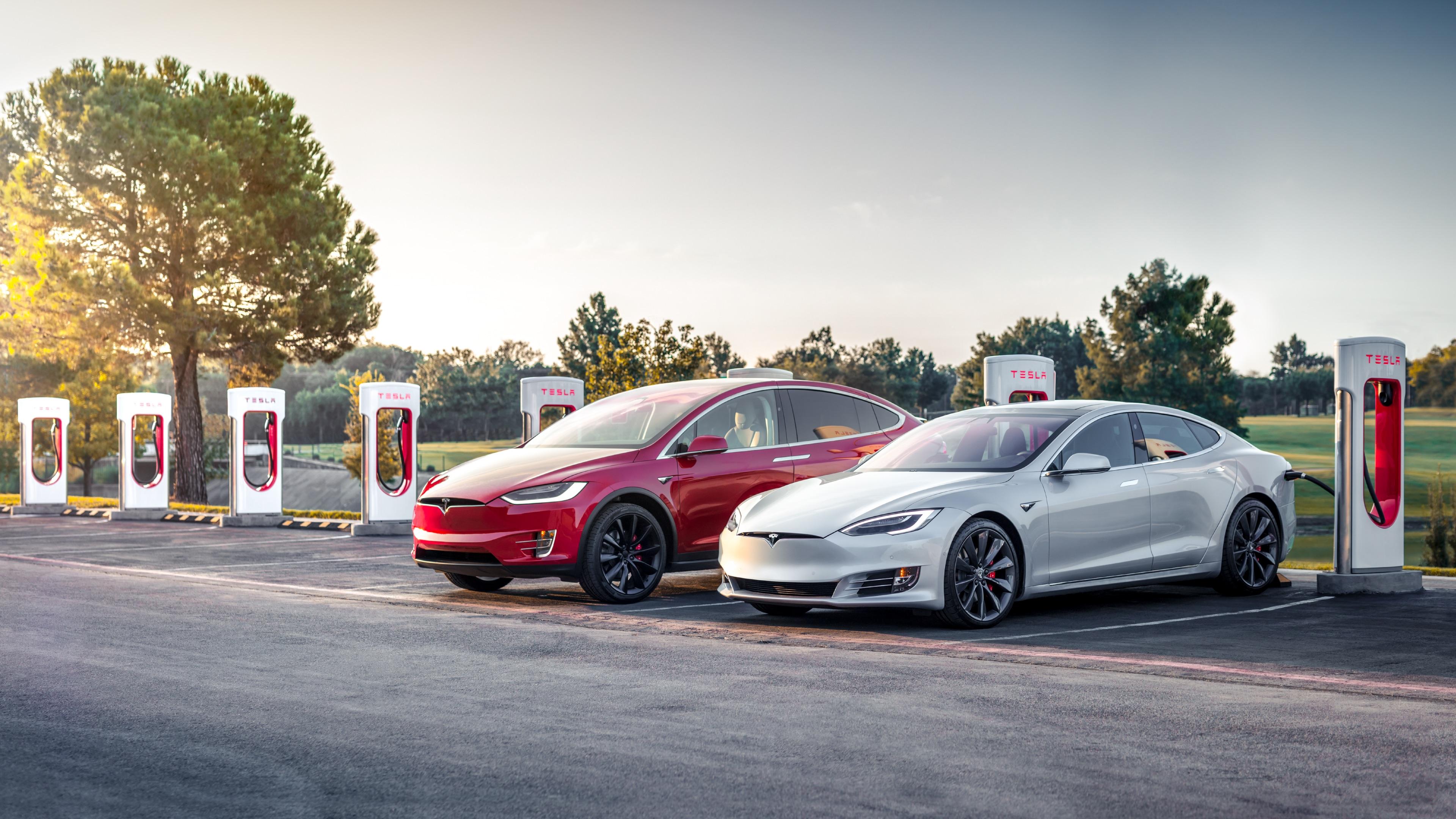 Tesla Updates Model S X 370 Mi Range Faster Charging Adaptive Suspension