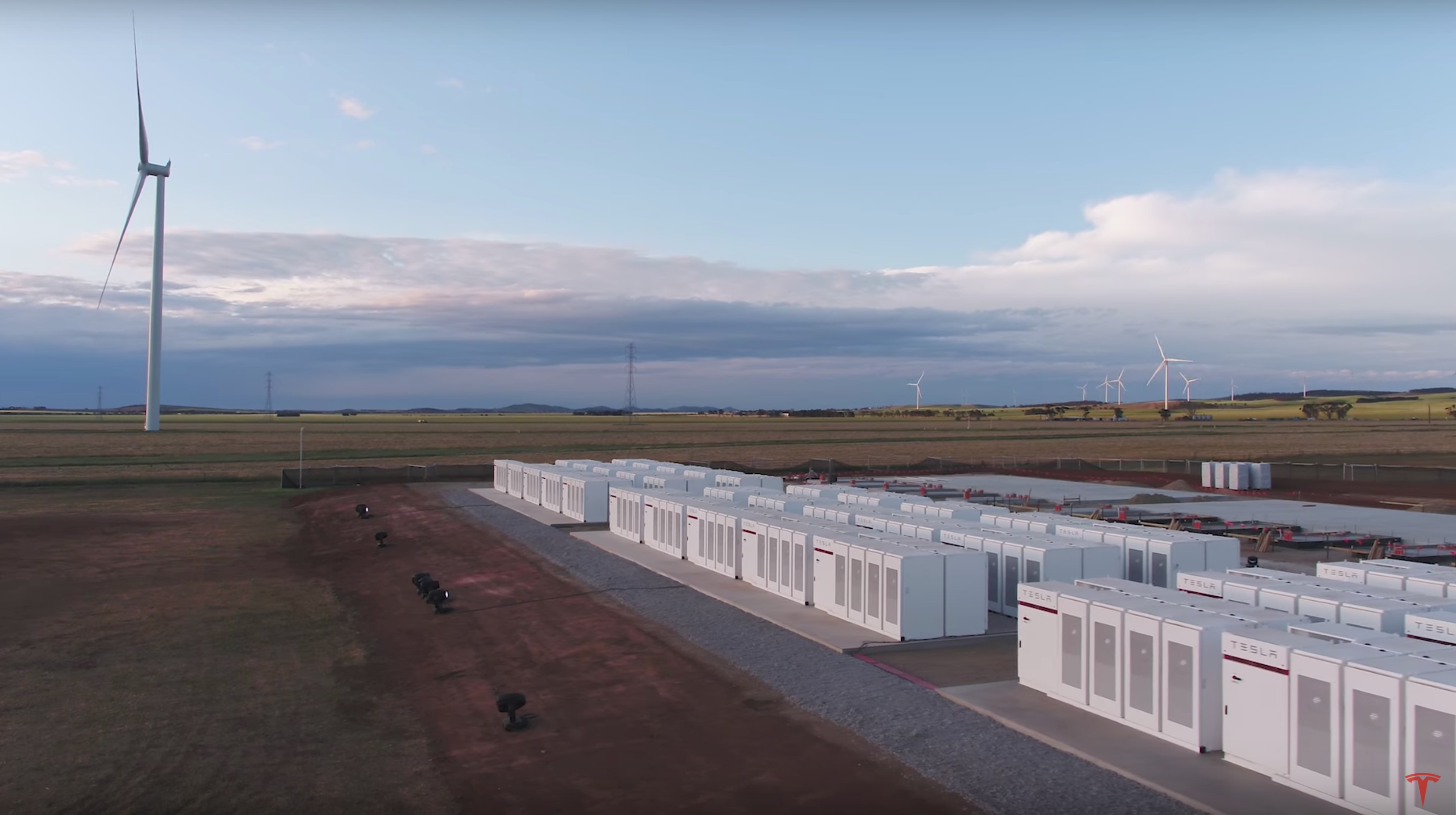 tesla-energy-powerpack-australia-wind-farm