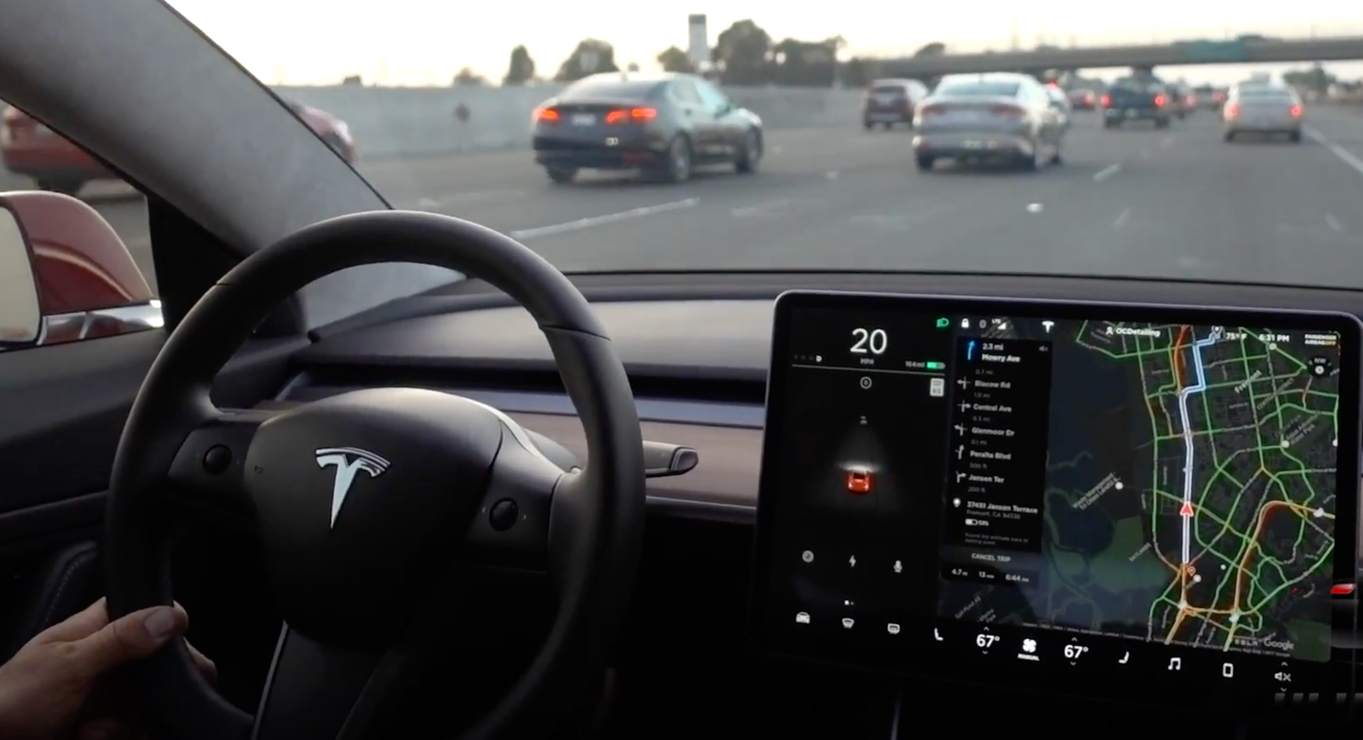 tesla-model-3-autopilot-traffic-steering-wheel-2