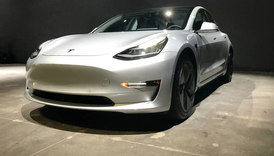Tesla Model 3 In 35k Base Trim To Start Production The Next 8 Months