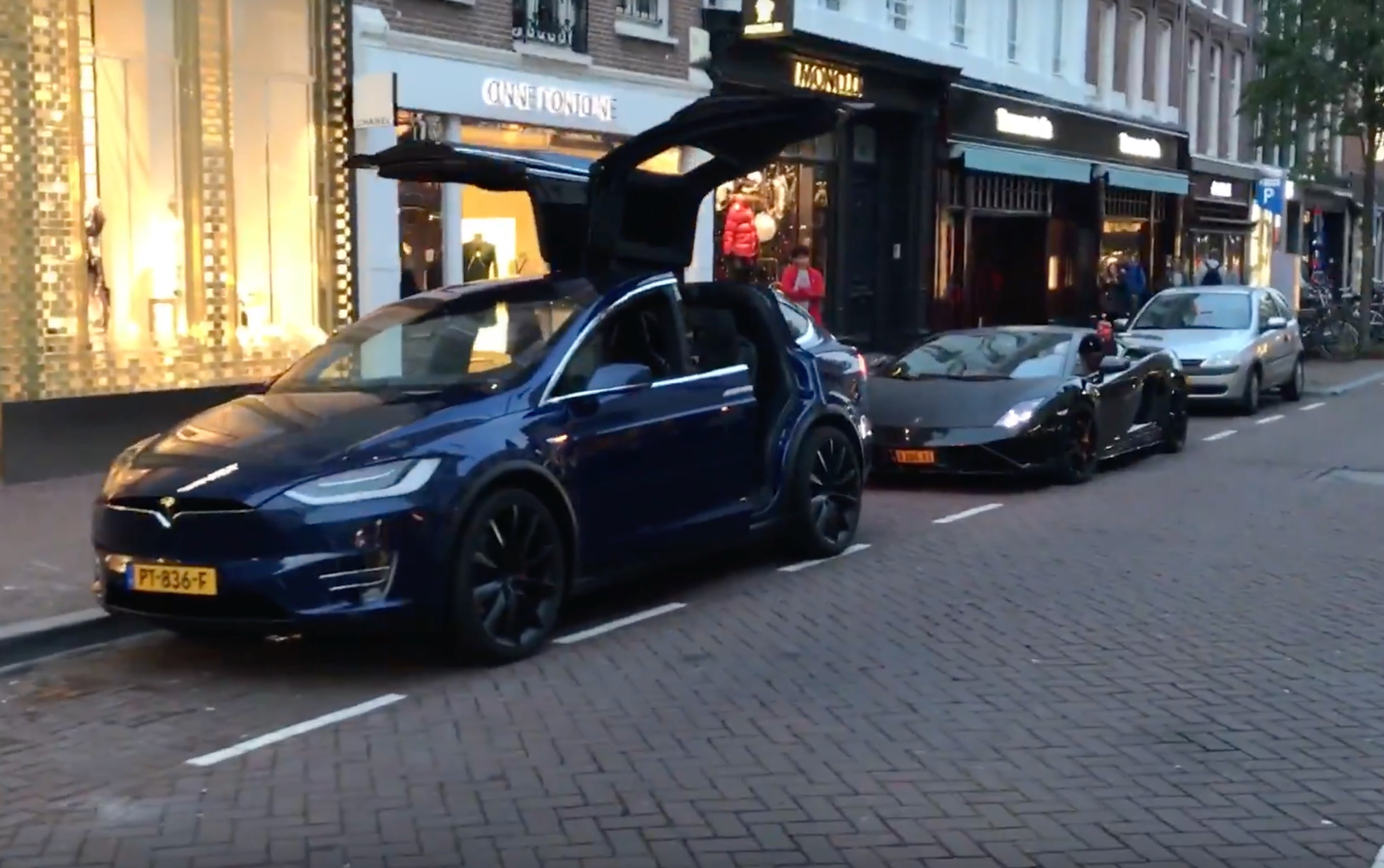 Watch This Tesla Model X Steal A Lamborghini S Thunder