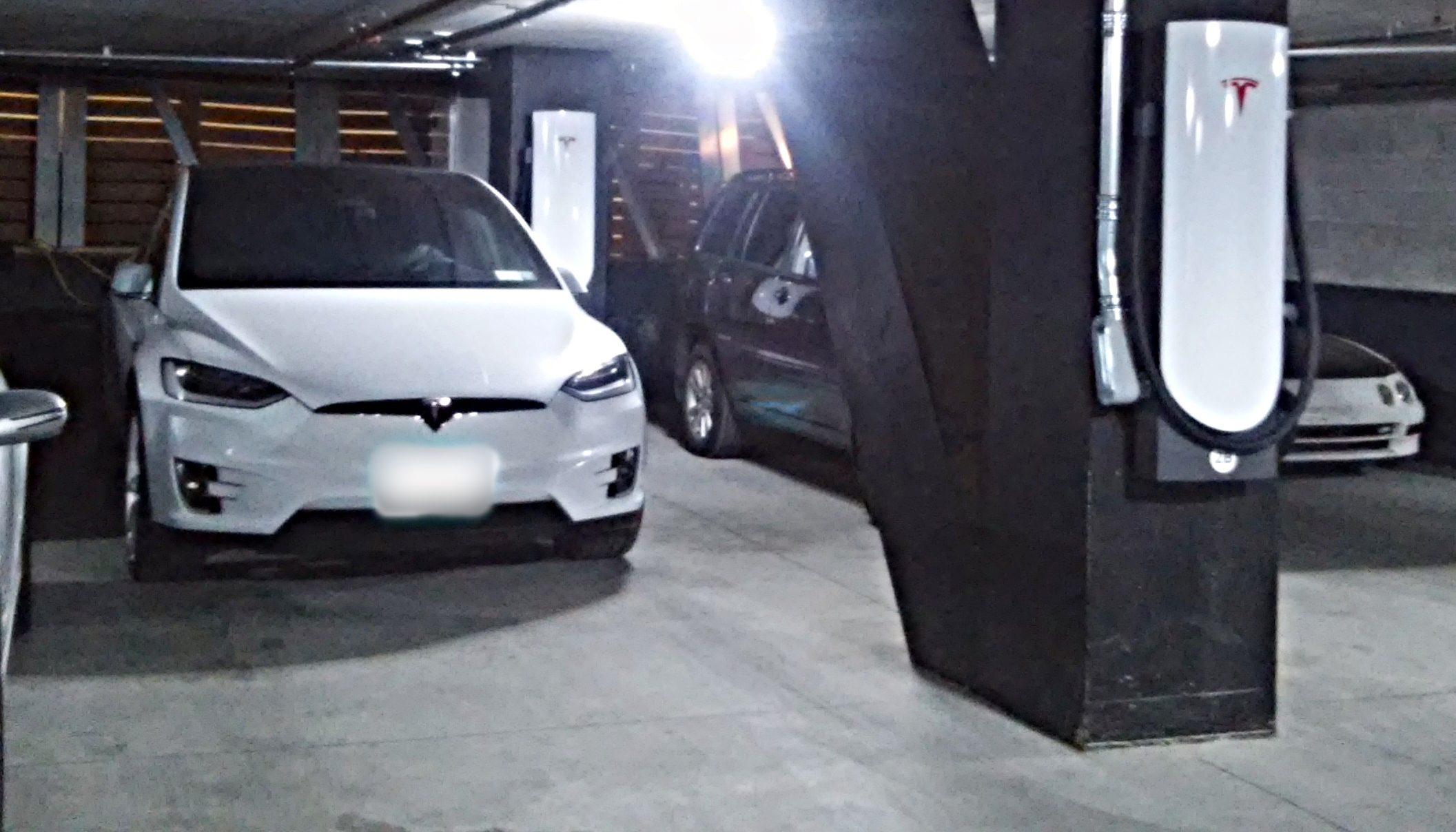 tesla-urban-supercharger-brooklyn-ny