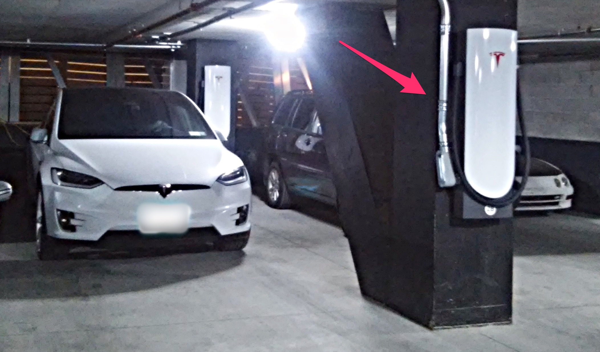 Tesla S Urban Supercharger Can Be Wall Mounted And Installed Virtually Anywhere