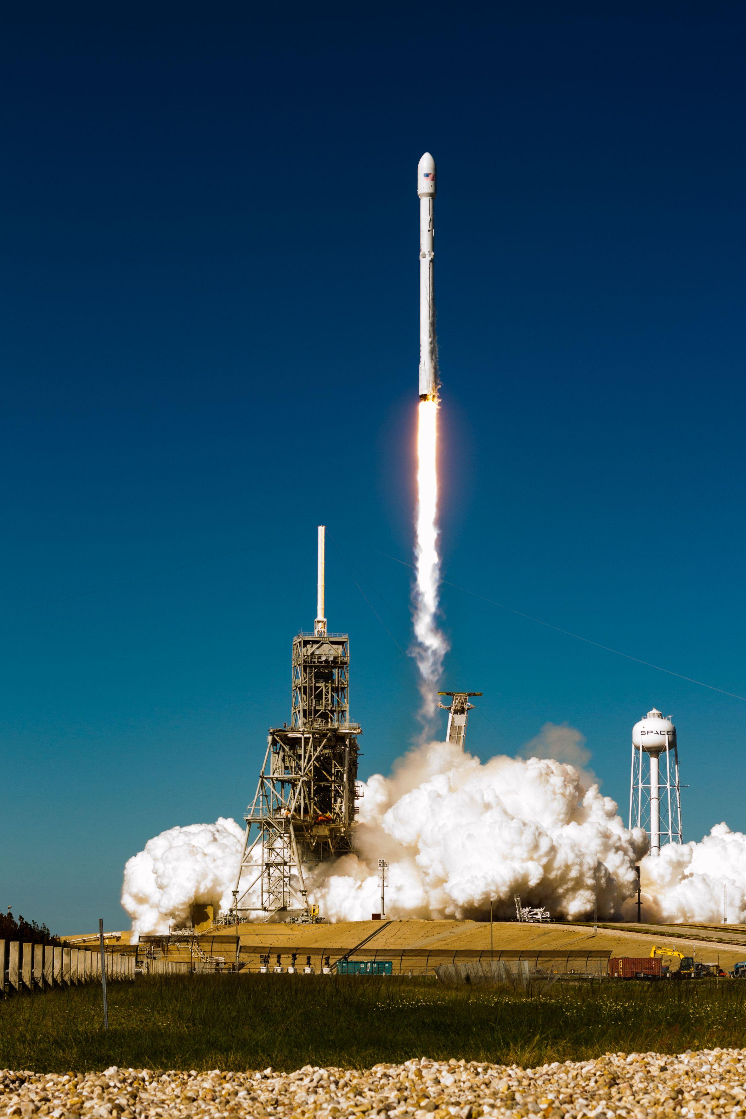 Koreasat 5A launch 2 (Tom Cross – Teslarati) (2)_
