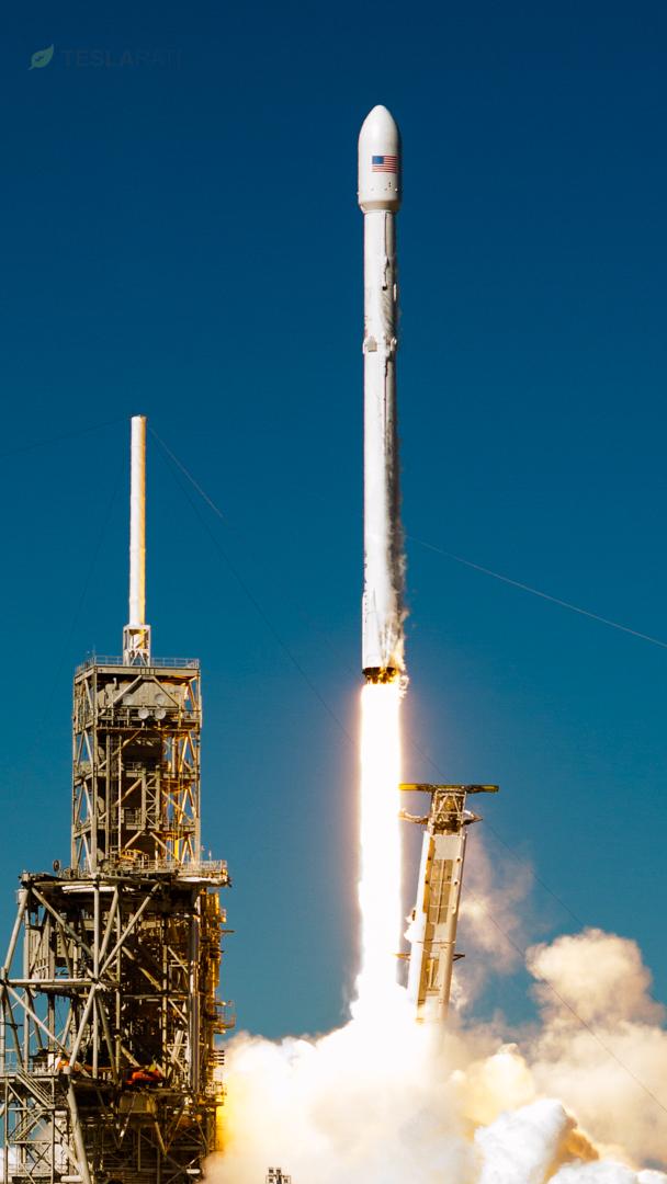 Koreasat 5A launch 2 (Tom Cross – Teslarati)
