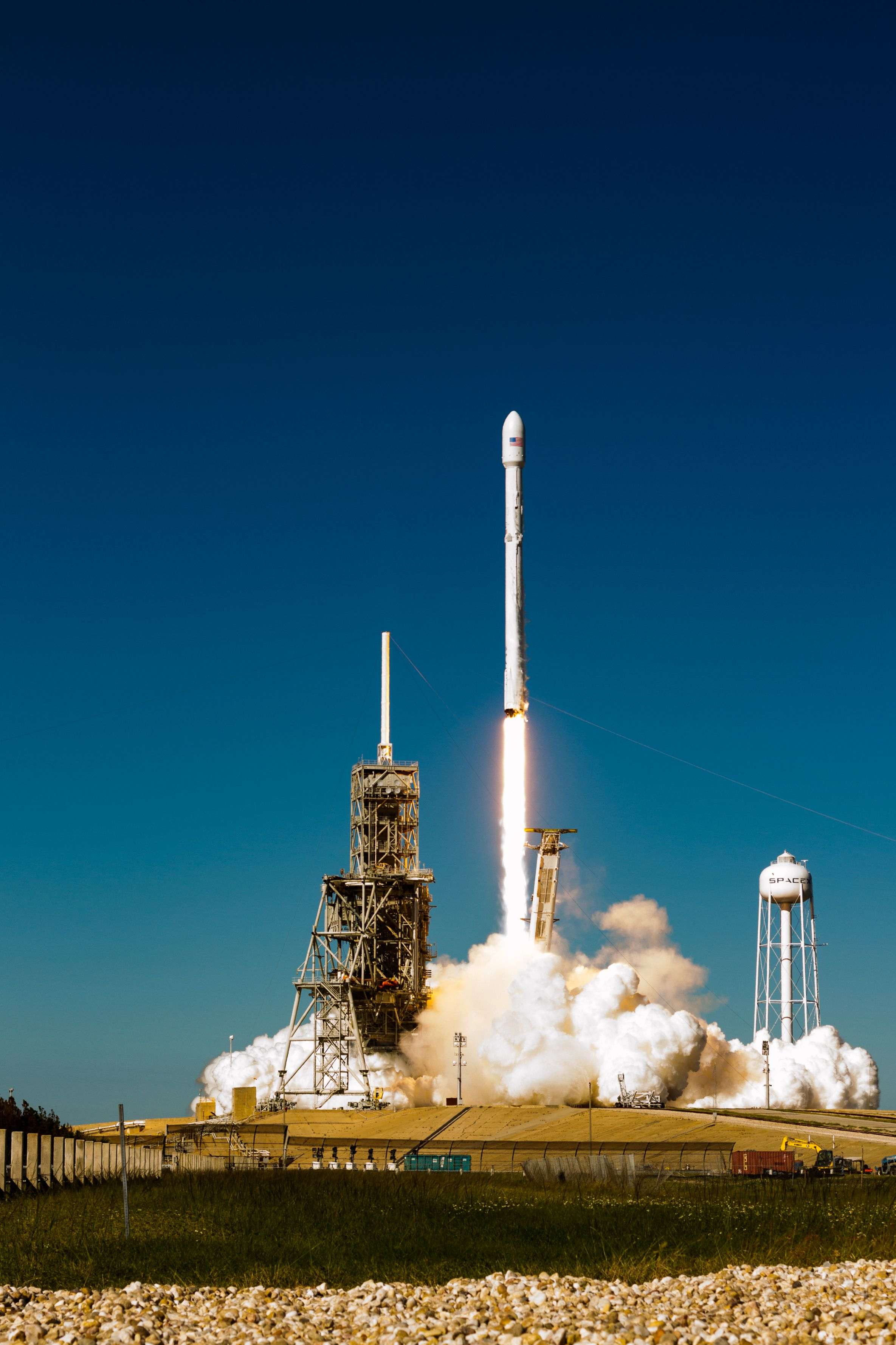 Koreasat 5A launch (Tom Cross – Teslarati)_