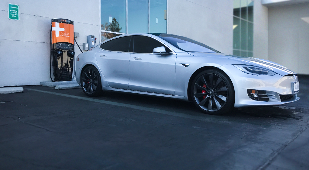 chargepoint-dc-fast-chademo-tesla-model-s