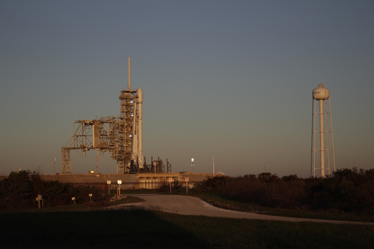 dawn breaks at LC39A (Tom Cross)