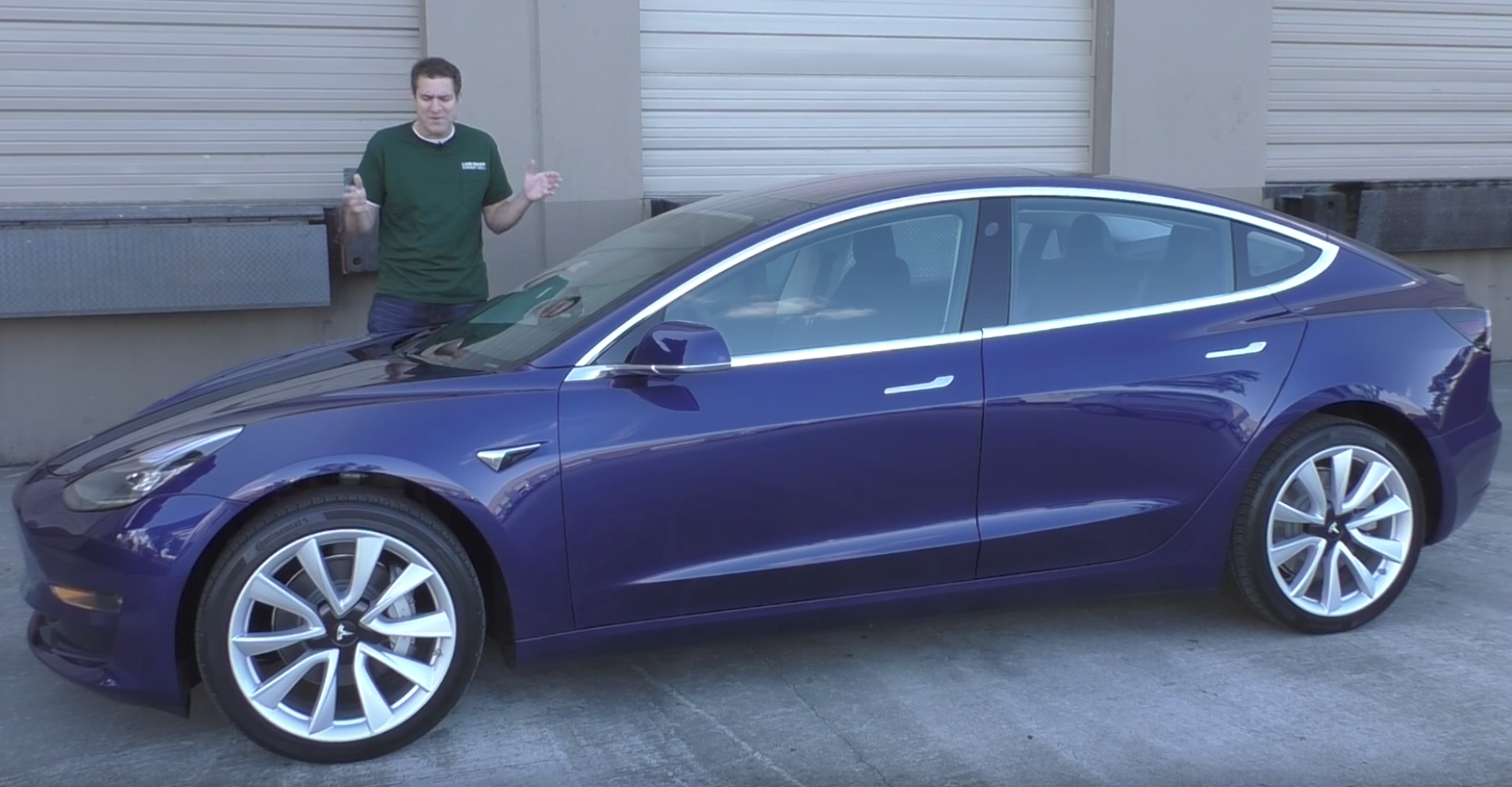 tesla model 3 review auto journalist calls it coolest. Black Bedroom Furniture Sets. Home Design Ideas